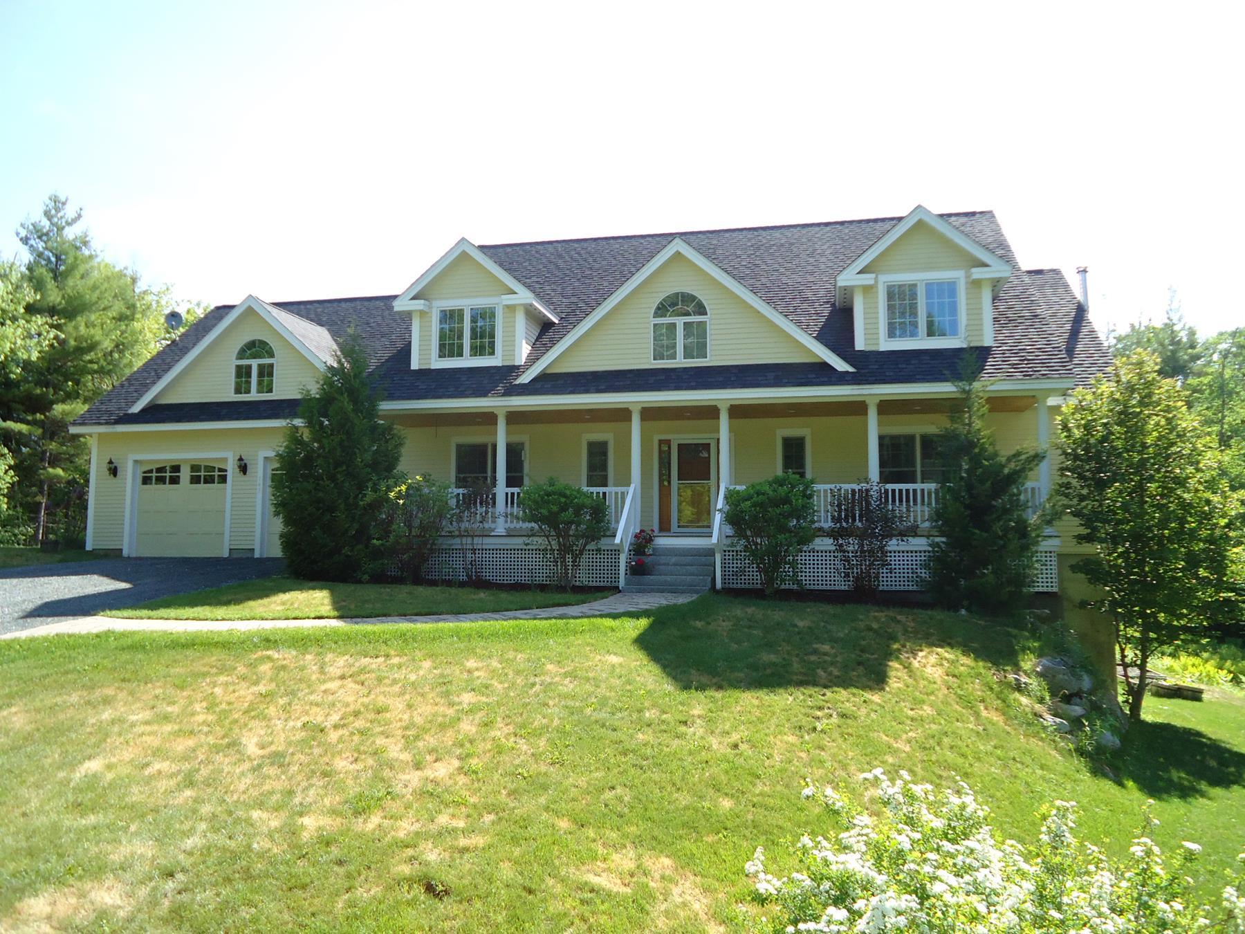 独户住宅 为 销售 在 143 Rowell Hill Rd., New London New London, 新罕布什尔州 03257 美国