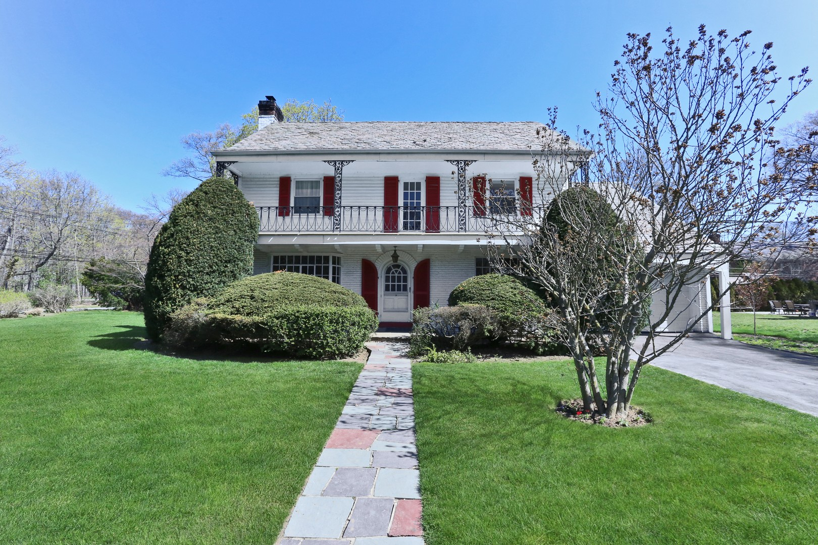 Single Family Home for Sale at Colonial 9 Andover Rd Rockville Centre, New York 11570 United States