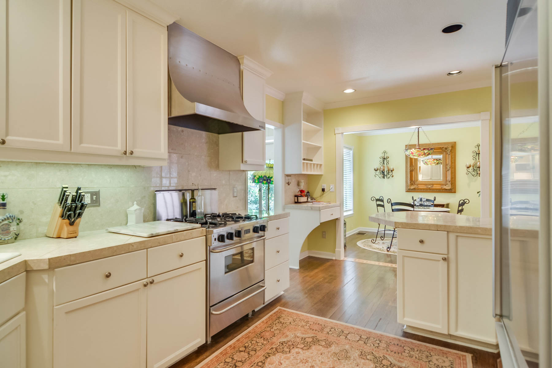 Additional photo for property listing at Ranch-Style Home in the Heart of Terrell Hills 109 Zambrano Rd San Antonio, Texas 78209 Estados Unidos