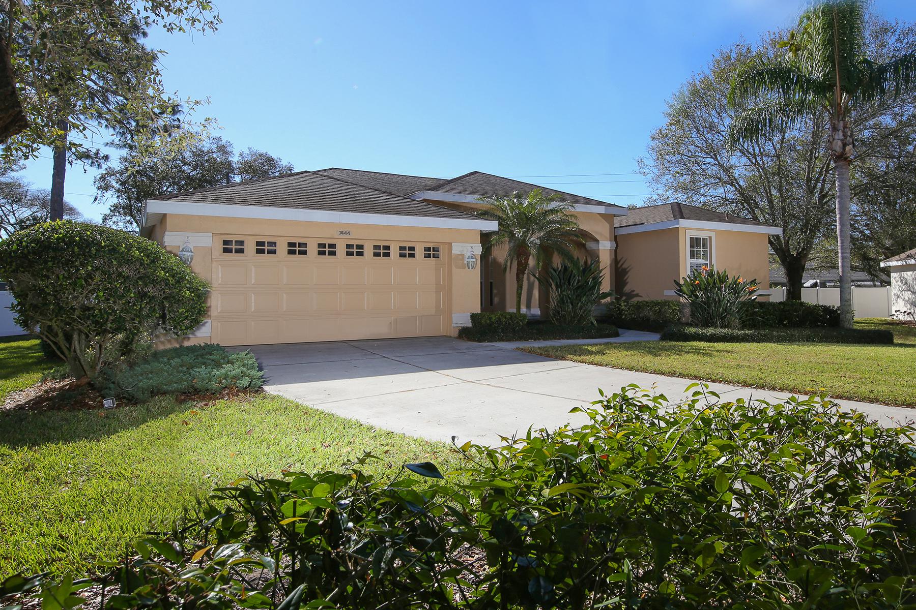 Einfamilienhaus für Verkauf beim PINEHURST ESTATES 7444 Eleanor Cir Sarasota, Florida, 34243 Vereinigte Staaten