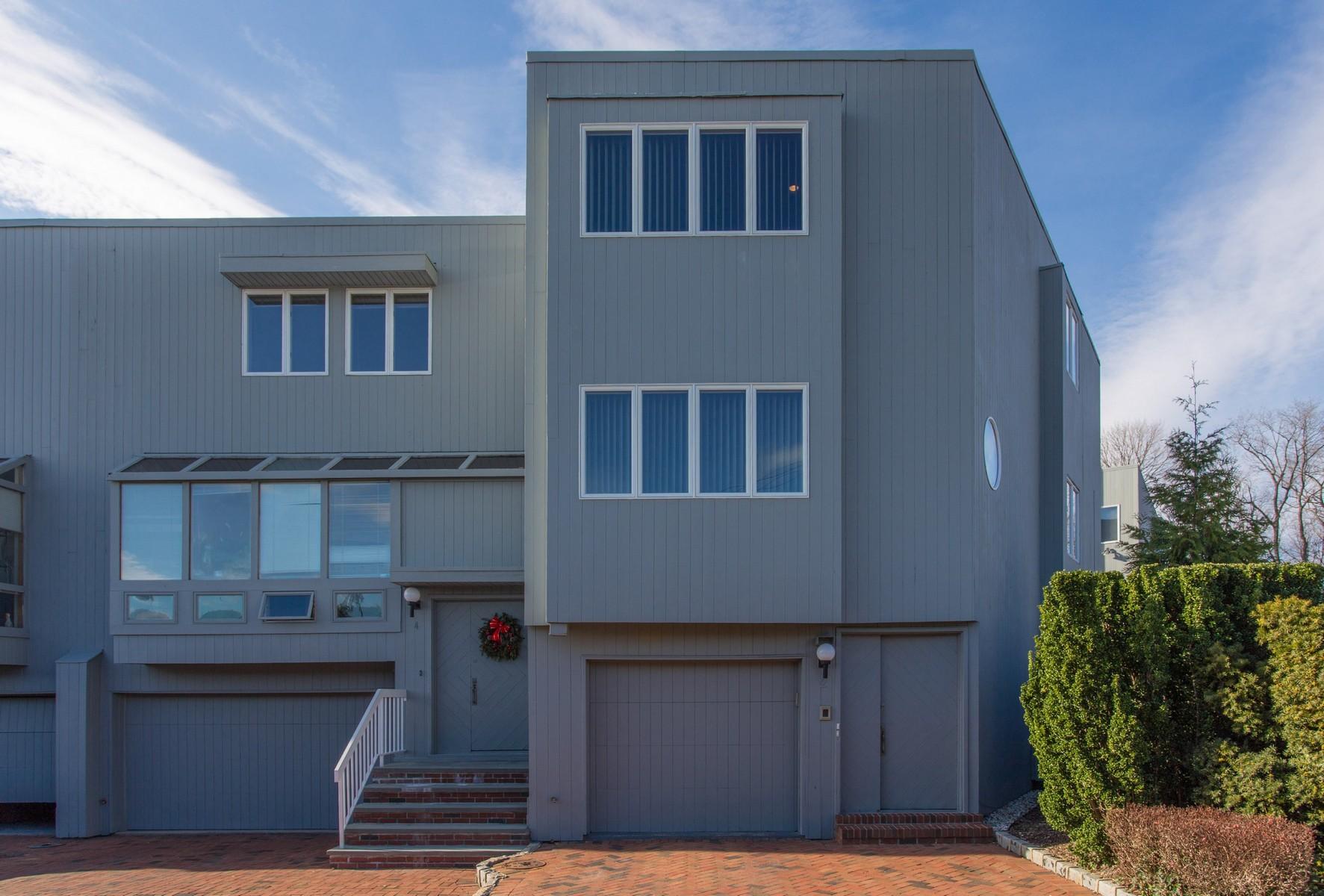 Nhà chung cư vì Bán tại Condo 2 Anchor Way Port Washington, New York, 11050 Hoa Kỳ