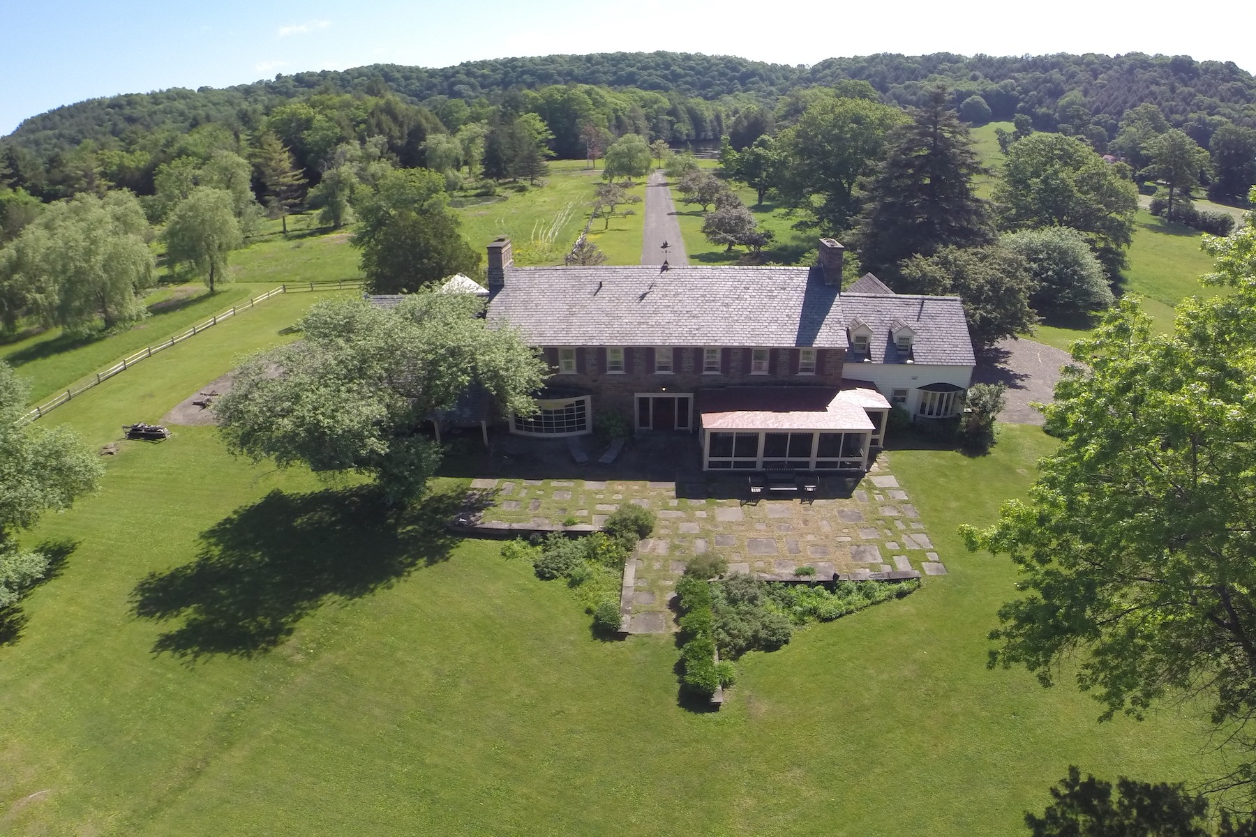 Additional photo for property listing at Country Manor Estate in Upstate New York 549  Partridge Hill Road Barneveld, New York 13304 États-Unis