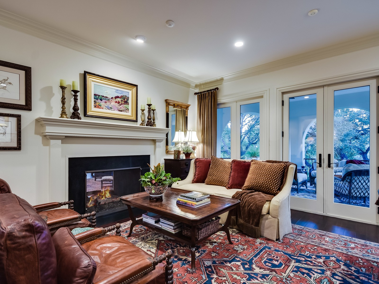 Additional photo for property listing at Amazing Home in The Ridge at Barton Creek 8307 Club Ridge Dr Austin, Texas 78735 United States