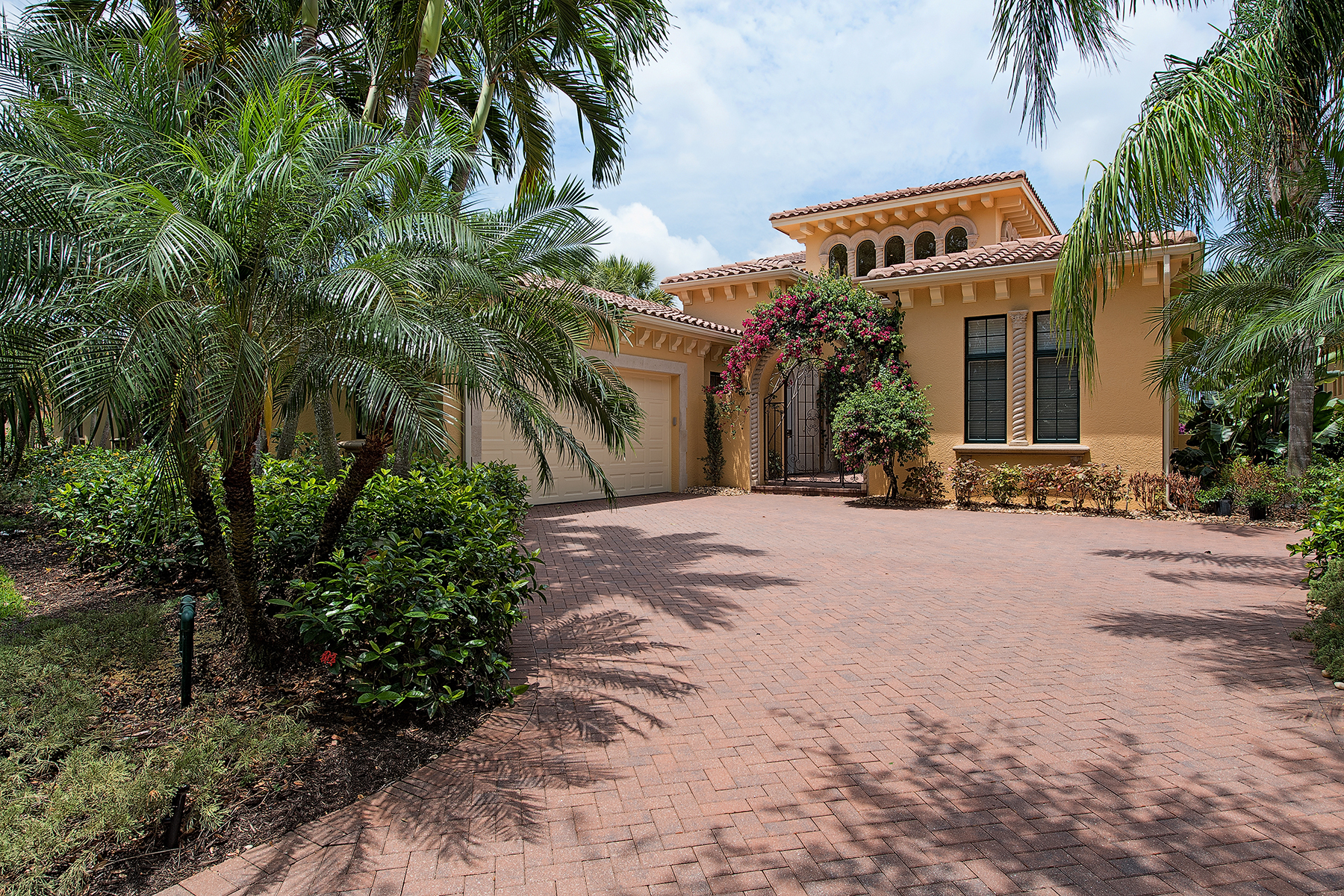 Single Family Home for Sale at Naples 2841 Capistrano Way Naples, Florida, 34105 United States