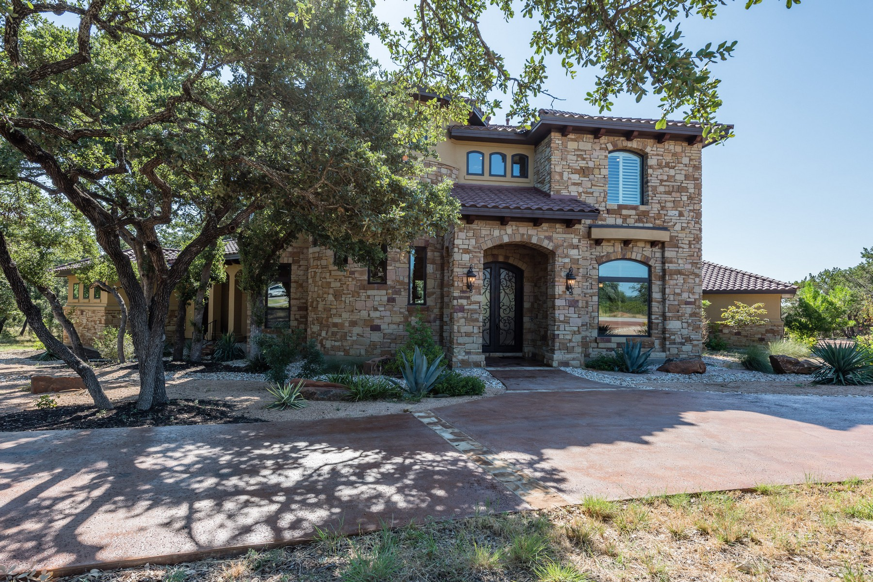 Single Family Home for Sale at Coveted Corner Lot in Belvedere 8517 Bellancia Dr Austin, Texas 78738 United States