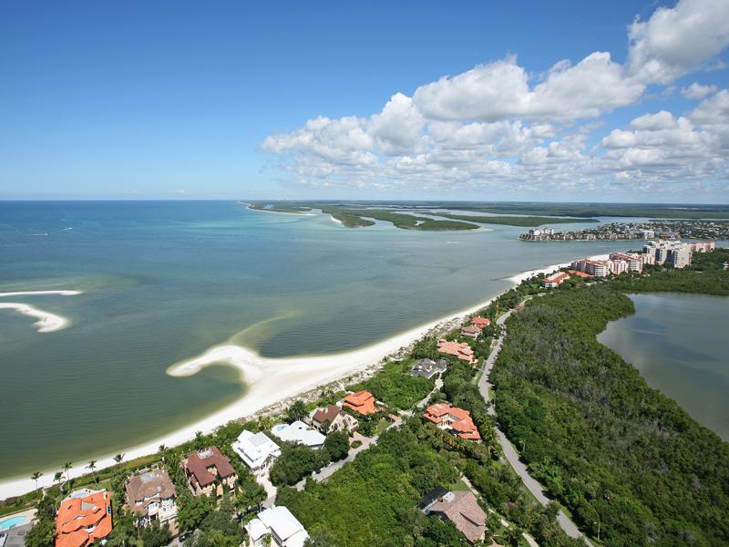 Terreno para Venda às MARCO ISLAND - HIDEAWAY BEACH 975 Royal Marco Way Marco Island, Florida, 34145 Estados Unidos