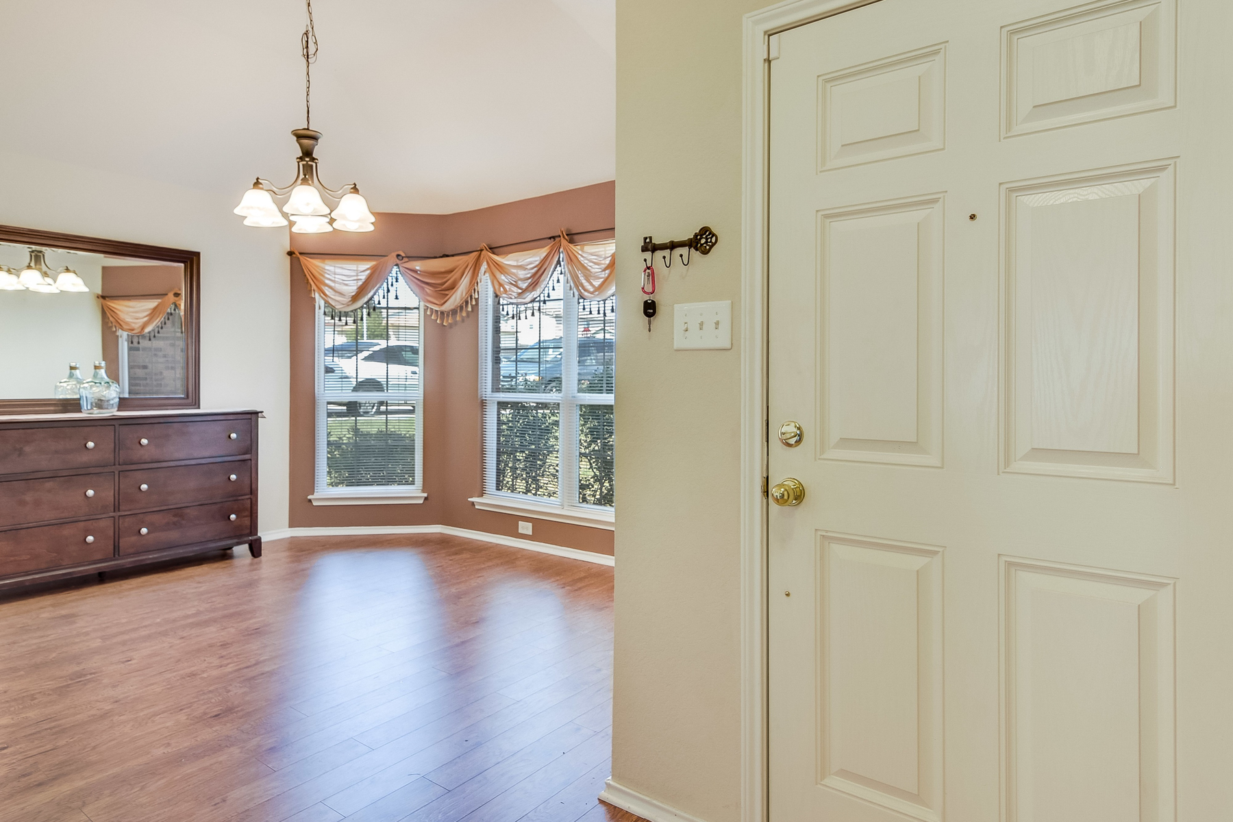 Additional photo for property listing at Cute Gem in Forest Meadows 6106 Pleasant Meadows San Antonio, Texas 78222 United States
