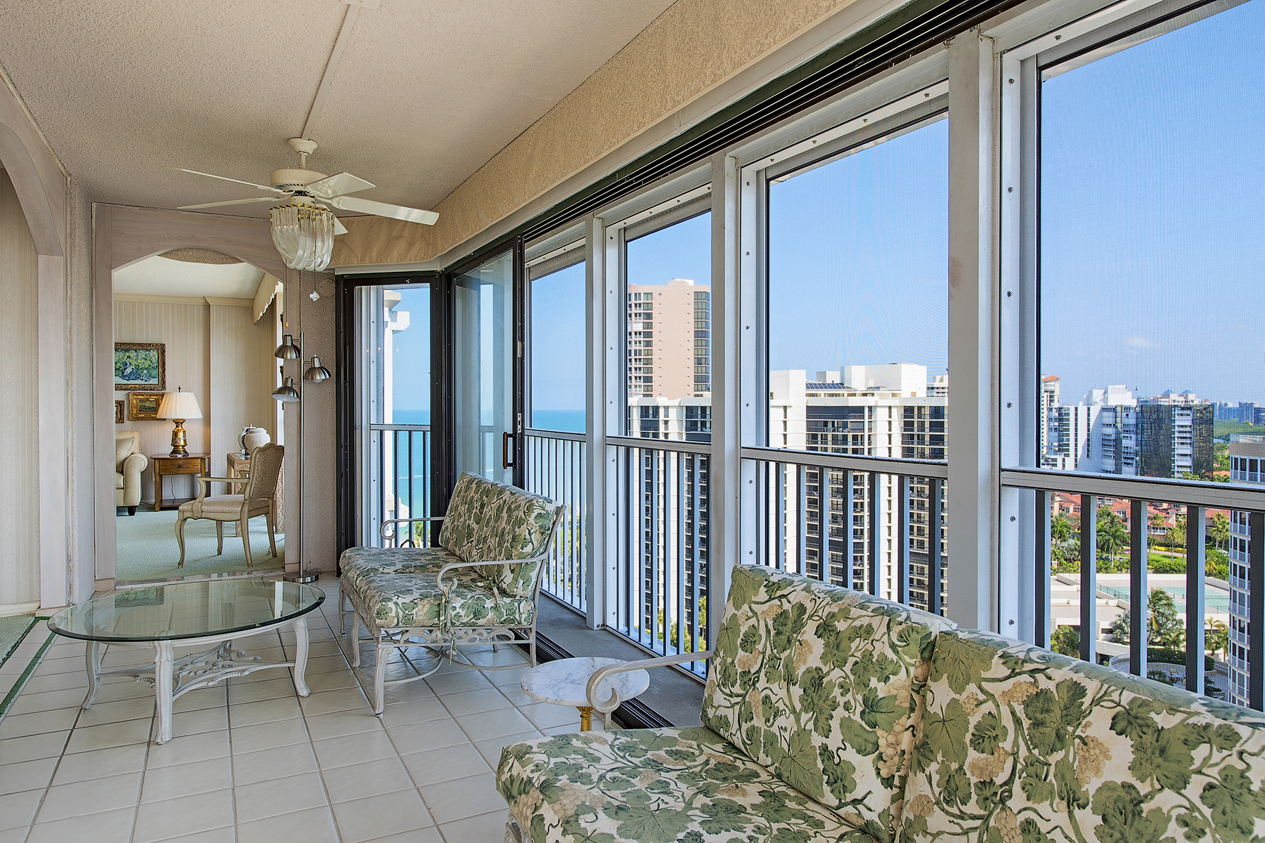Condominio per Vendita alle ore MONACO BEACH CLUB 4401 Gulf Shore Blvd N PH-6 Naples, Florida, 34103 Stati Uniti