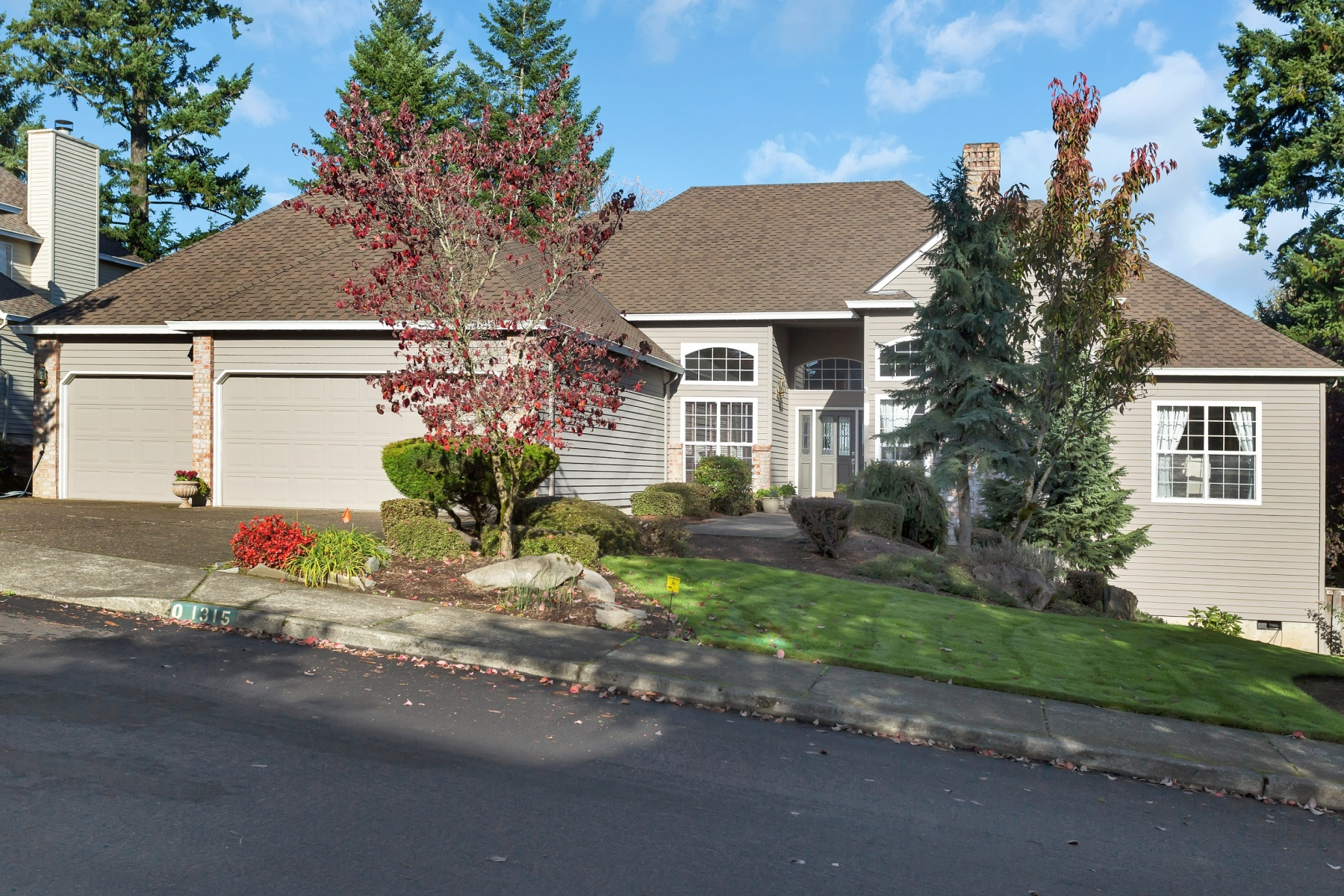 Single Family Home for Sale at 1315 Stonehaven, West Linn 1315 Stonehaven Dr West Linn, Oregon 97068 United States