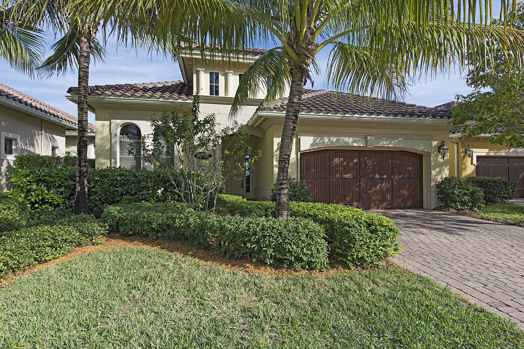Maison unifamiliale pour l Vente à FIDDLER'S CREEK - CRANBERRY CROSSING 9052 Cherry Oaks Trl Naples, Florida, 34114 États-Unis