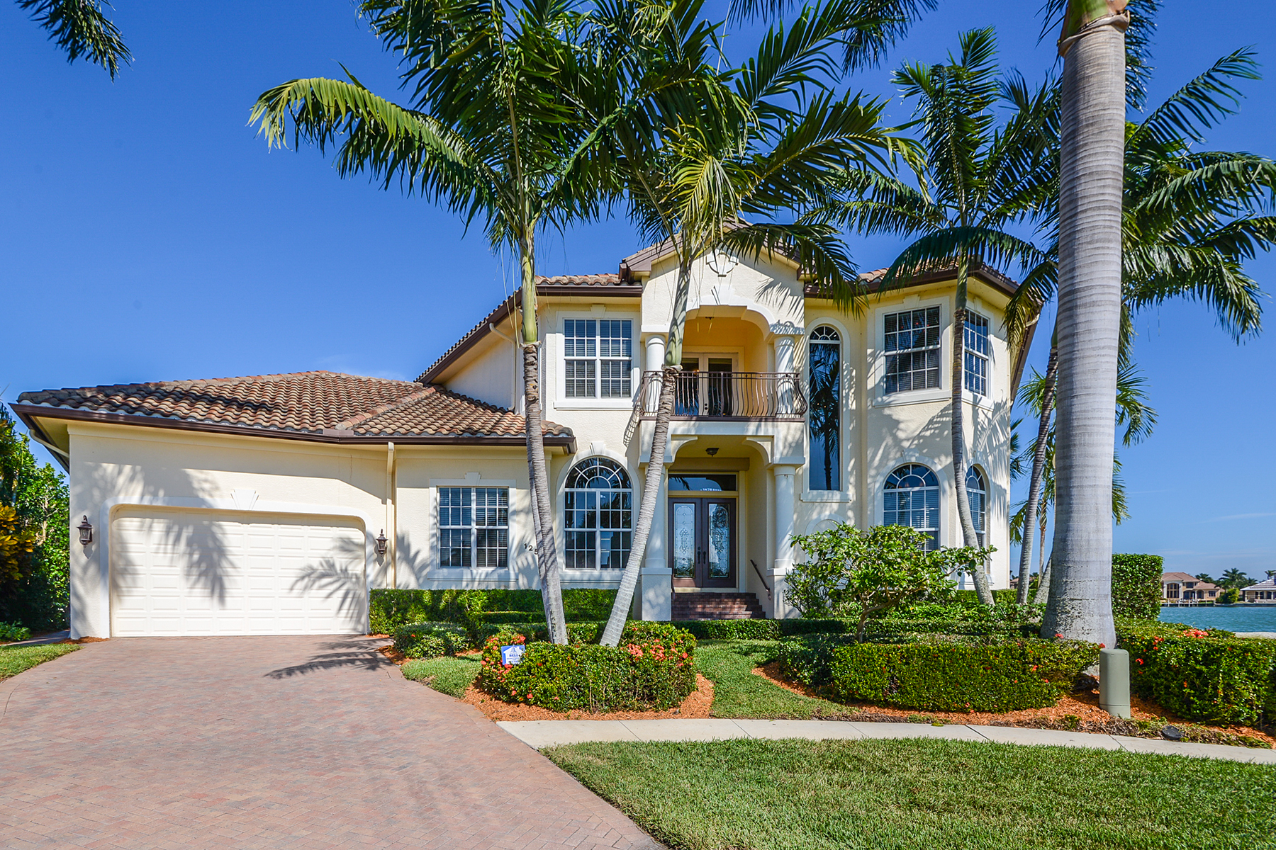 Single Family Home for Sale at MARCO ISLAND - MARLIN COURT 1251 Marlin Ct Marco Island, Florida 34145 United States