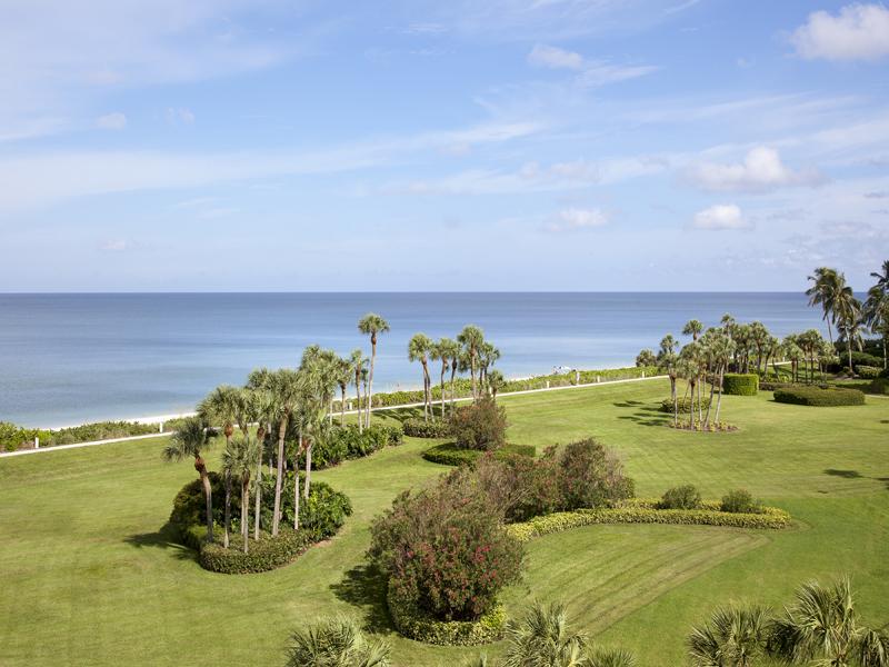 Appartement en copropriété pour l Vente à PARK SHORE - REGENT 4101 Gulf Shore Blvd N 4N Naples, Florida 34103 États-Unis