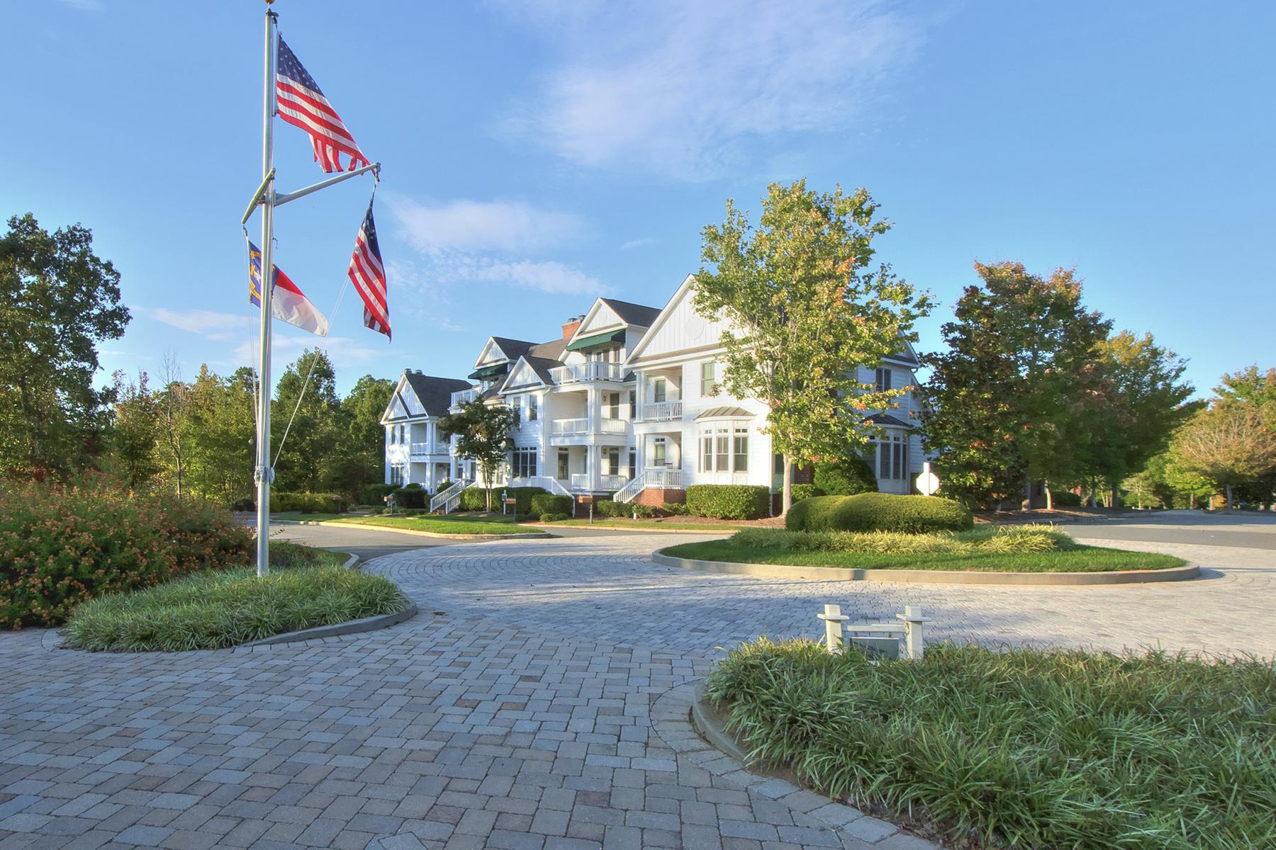 Casa unifamiliar adosada (Townhouse) por un Venta en UWHARRIE POINT 144 Waterton Ln 35 New London, Carolina Del Norte, 28127 Estados Unidos