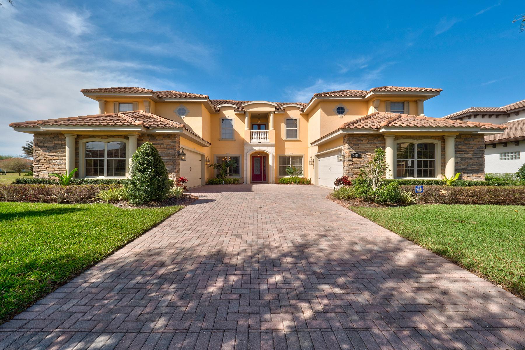 Casa Unifamiliar por un Venta en ORLANDO 5514 Emerson Pointe Way Orlando, Florida, 32819 Estados Unidos