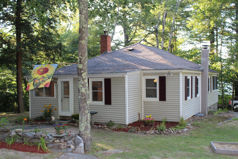 Maison unifamiliale pour l Vente à 4 Lake Shore Dr, Strafford Strafford, New Hampshire, 03884 États-Unis