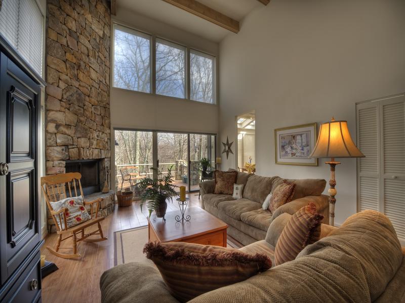 Nhà chung cư vì Bán tại LINVILLE RIDGE 201 Crest Lane Linville, Bắc Carolina 28646 Hoa Kỳ