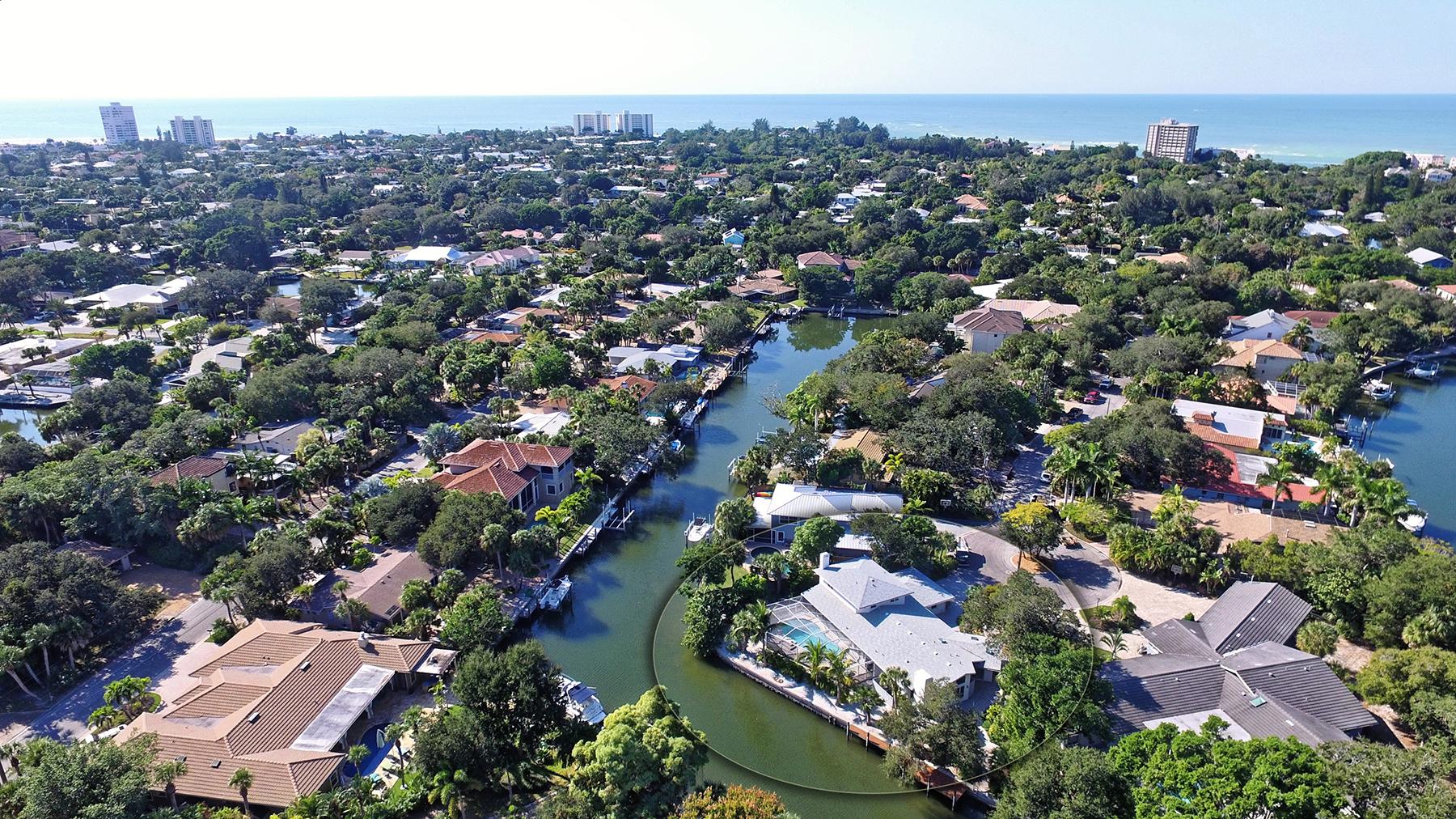 단독 가정 주택 용 매매 에 SIESTA BAYSIDE WATERSIDE WEST 646 Waterside Way Sarasota, 플로리다, 34242 미국