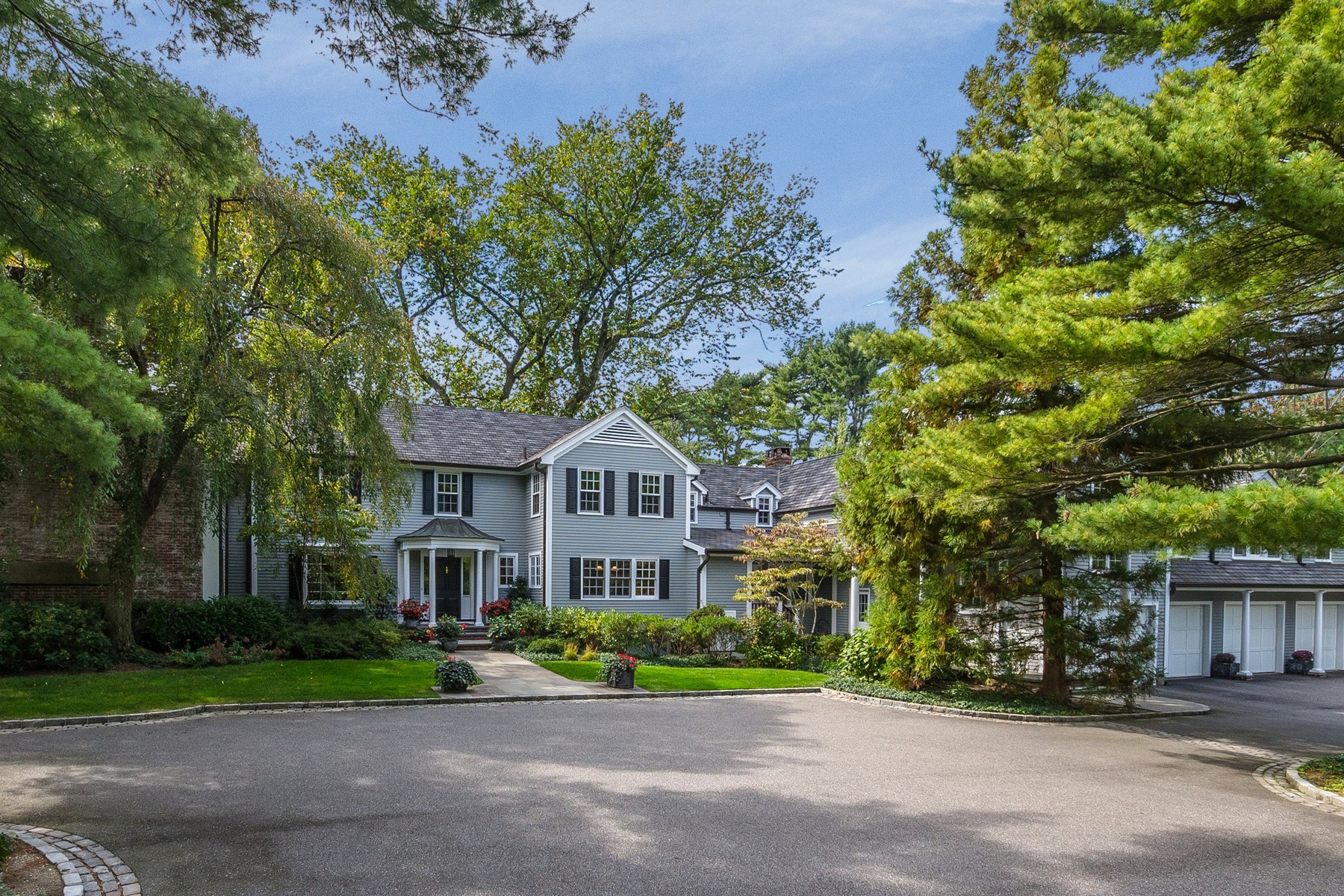 Single Family Home for Sale at Colonial Laurel Hollow, New York, 11791 United States