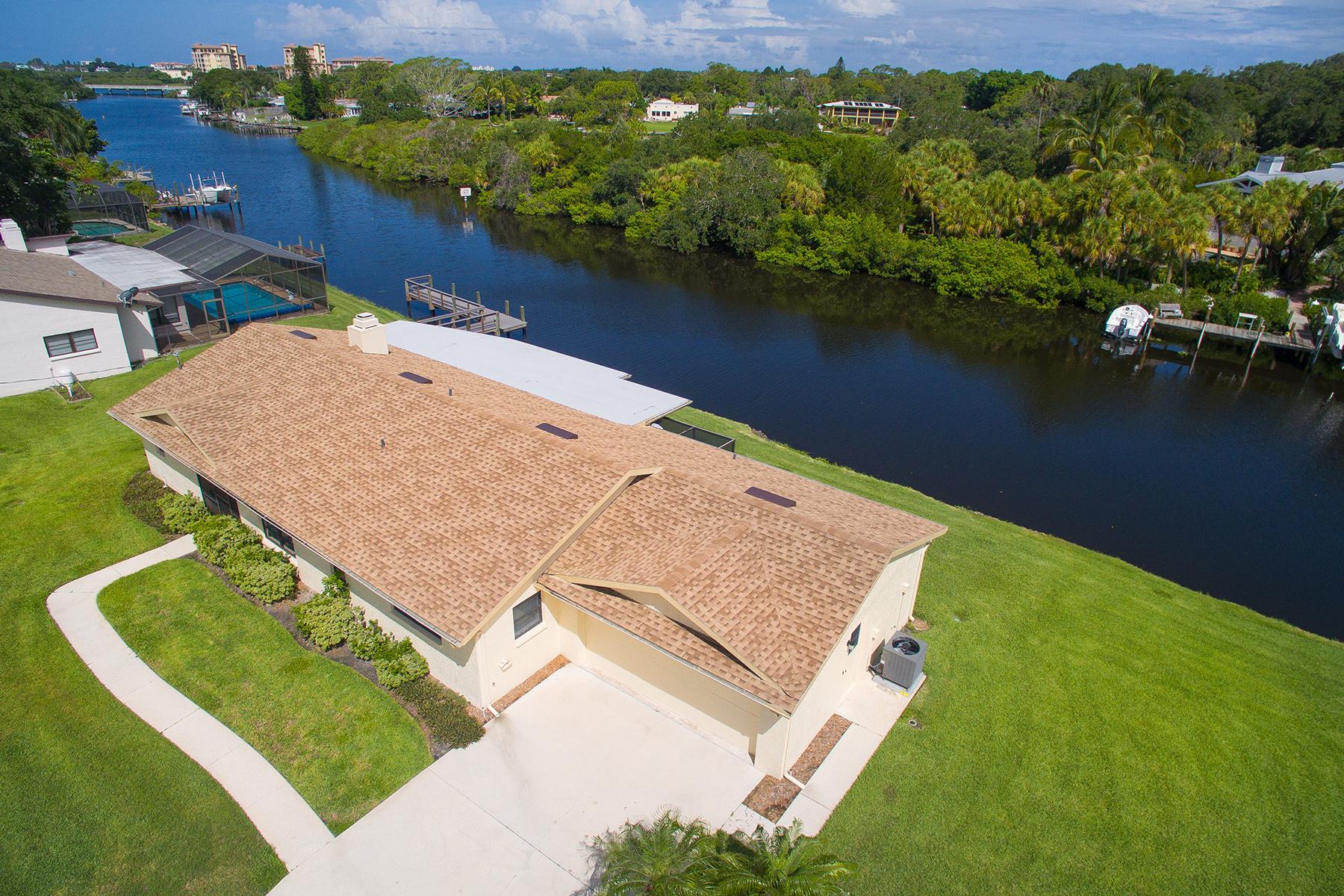 独户住宅 为 销售 在 PHILLIPPI GARDENS 5412 America Dr Sarasota, 佛罗里达州 34231 美国