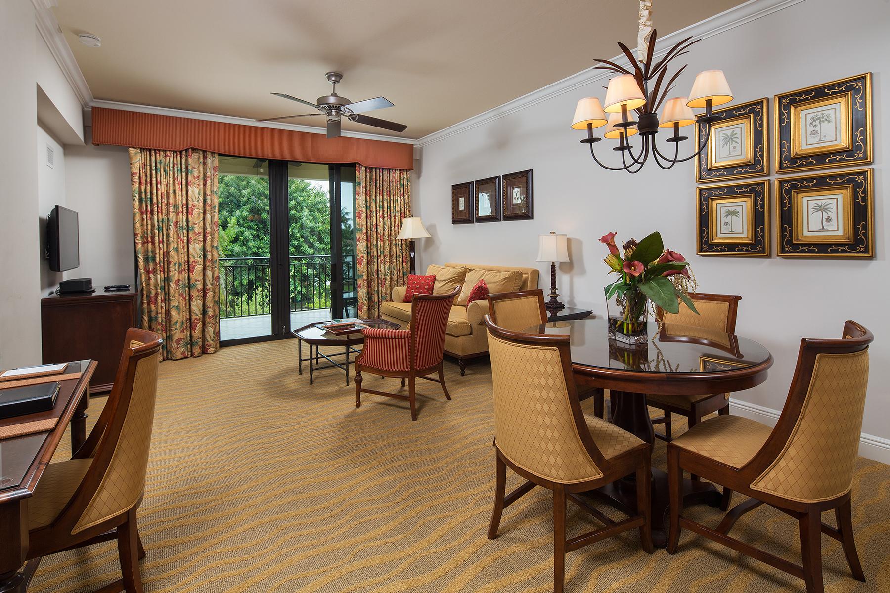 Condomínio para Venda às NAPLES 1520 5th Ave S 258 Naples, Florida, 34103 Estados Unidos