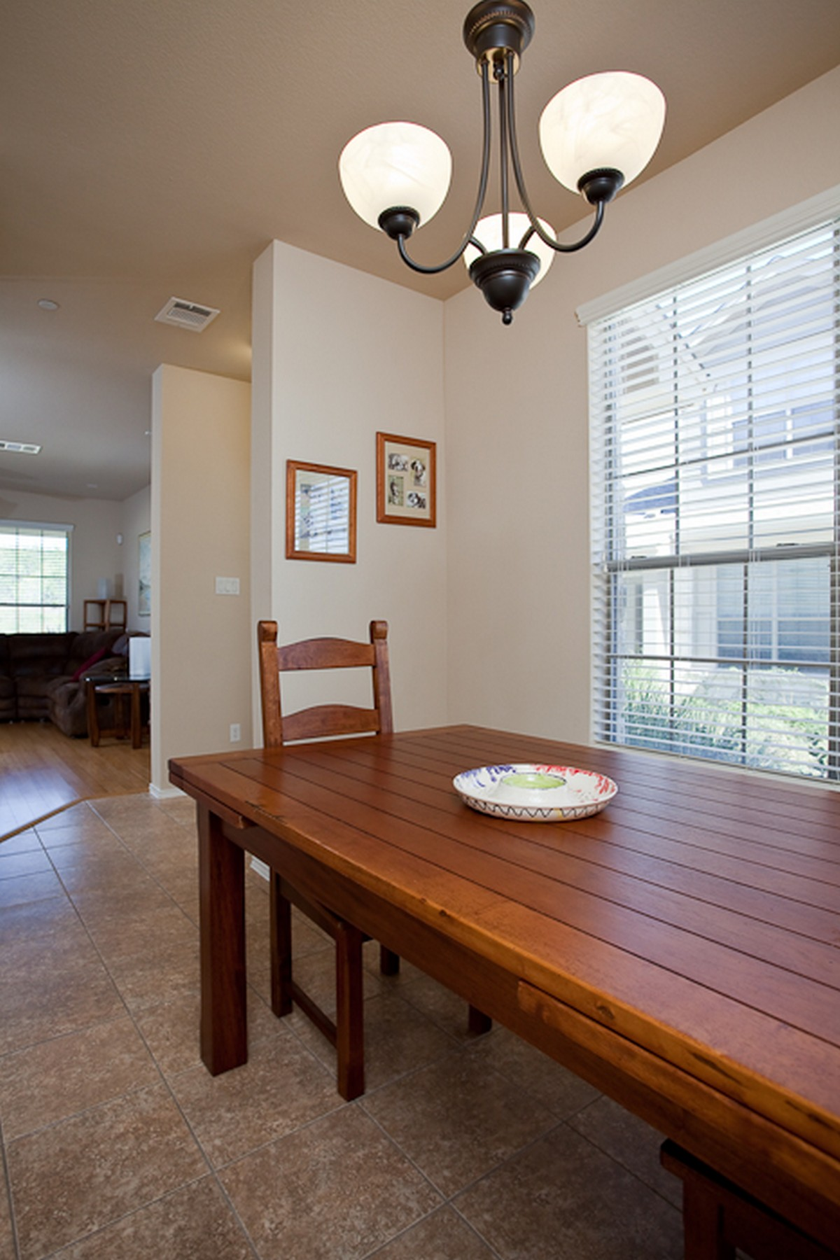 Additional photo for property listing at Beautiful End Unit Brodie Heights Condo 9201 Brodie Ln 903 Austin, Texas 78748 Estados Unidos
