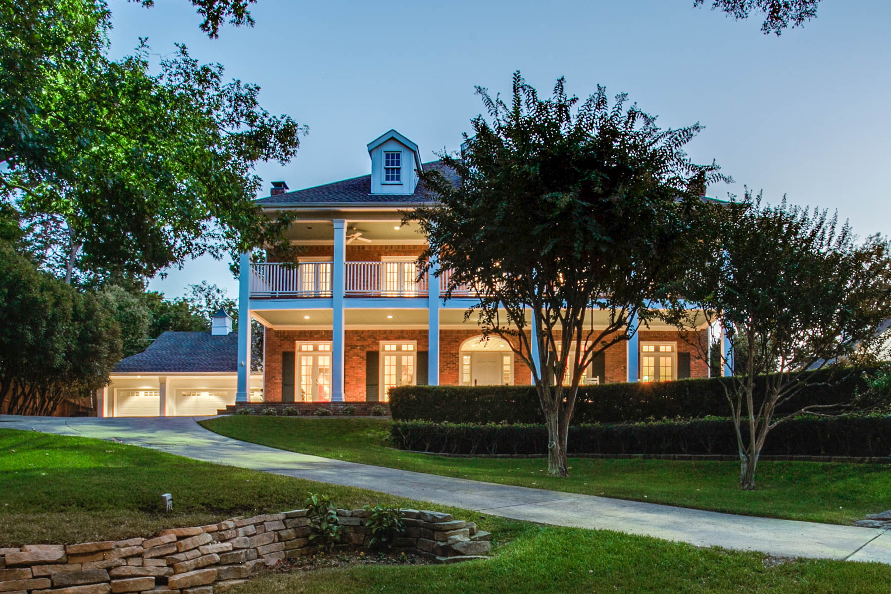 Single Family Home for Sale at A Lakewood Treasure 611 N. Brookside Drive Dallas, Texas, 75214 United States