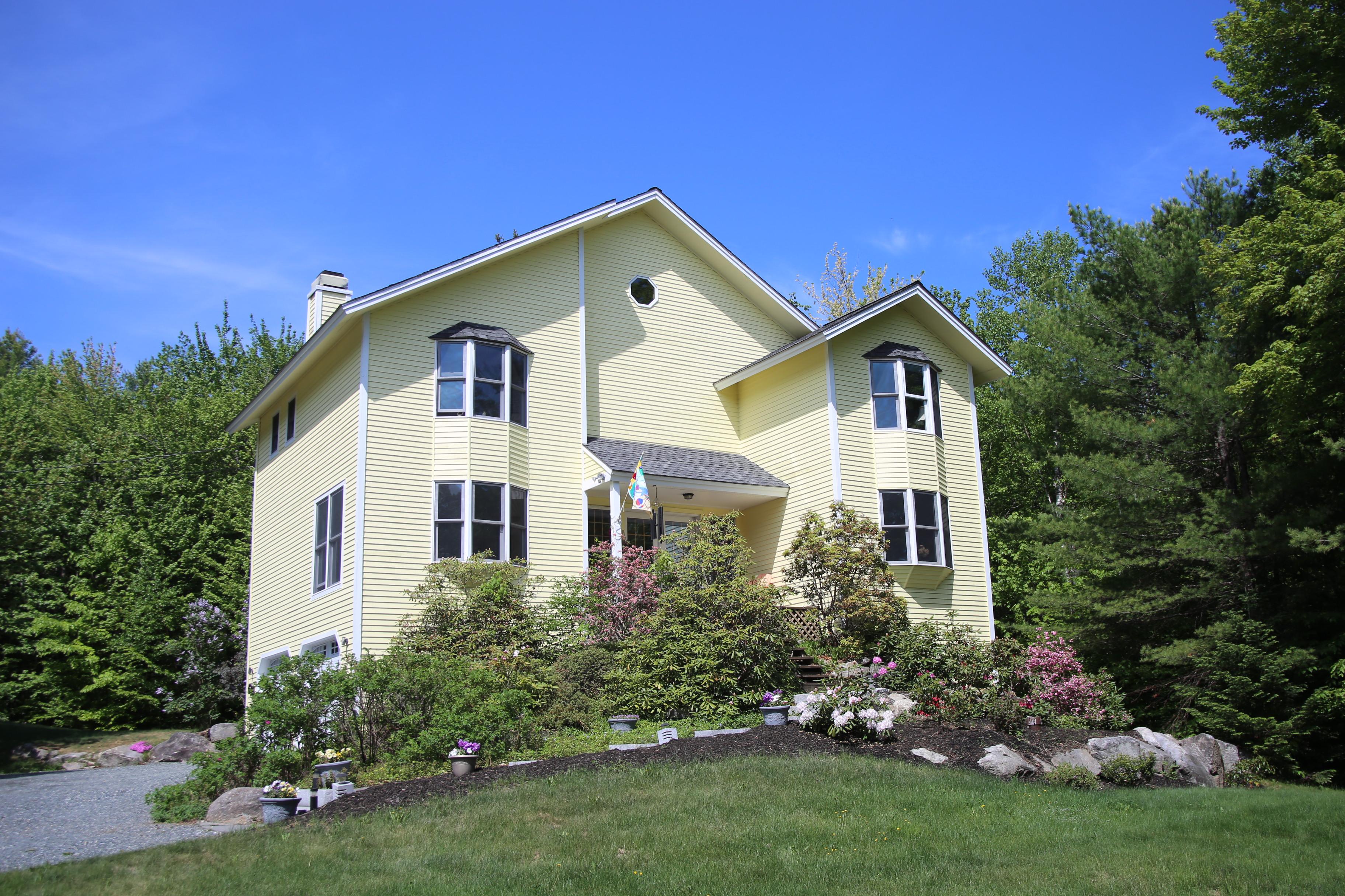 独户住宅 为 销售 在 62 Woodland Trace, New London New London, 新罕布什尔州 03257 美国