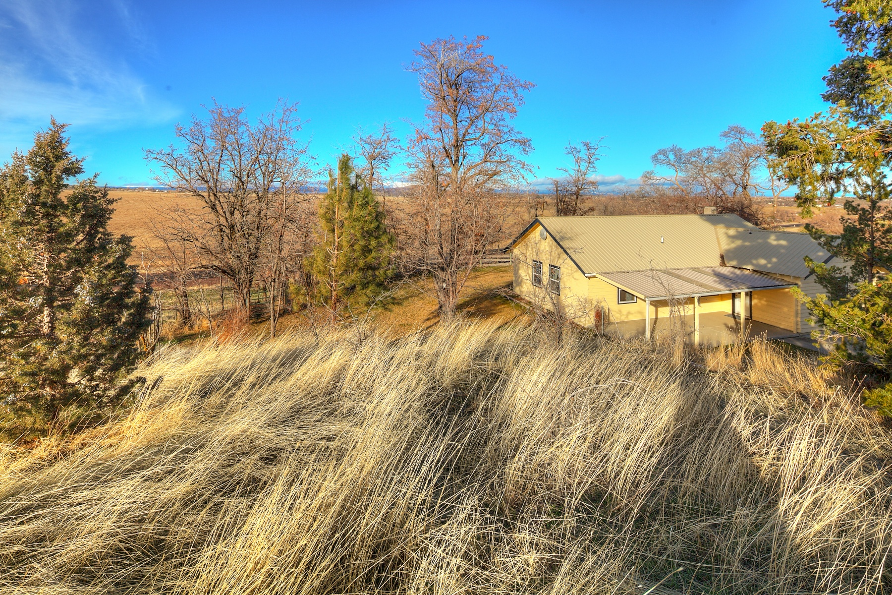 Single Family Home for Sale at Endless Views, Endless Possibilities 3307 S Adams Dr Madras, Oregon, 97741 United States