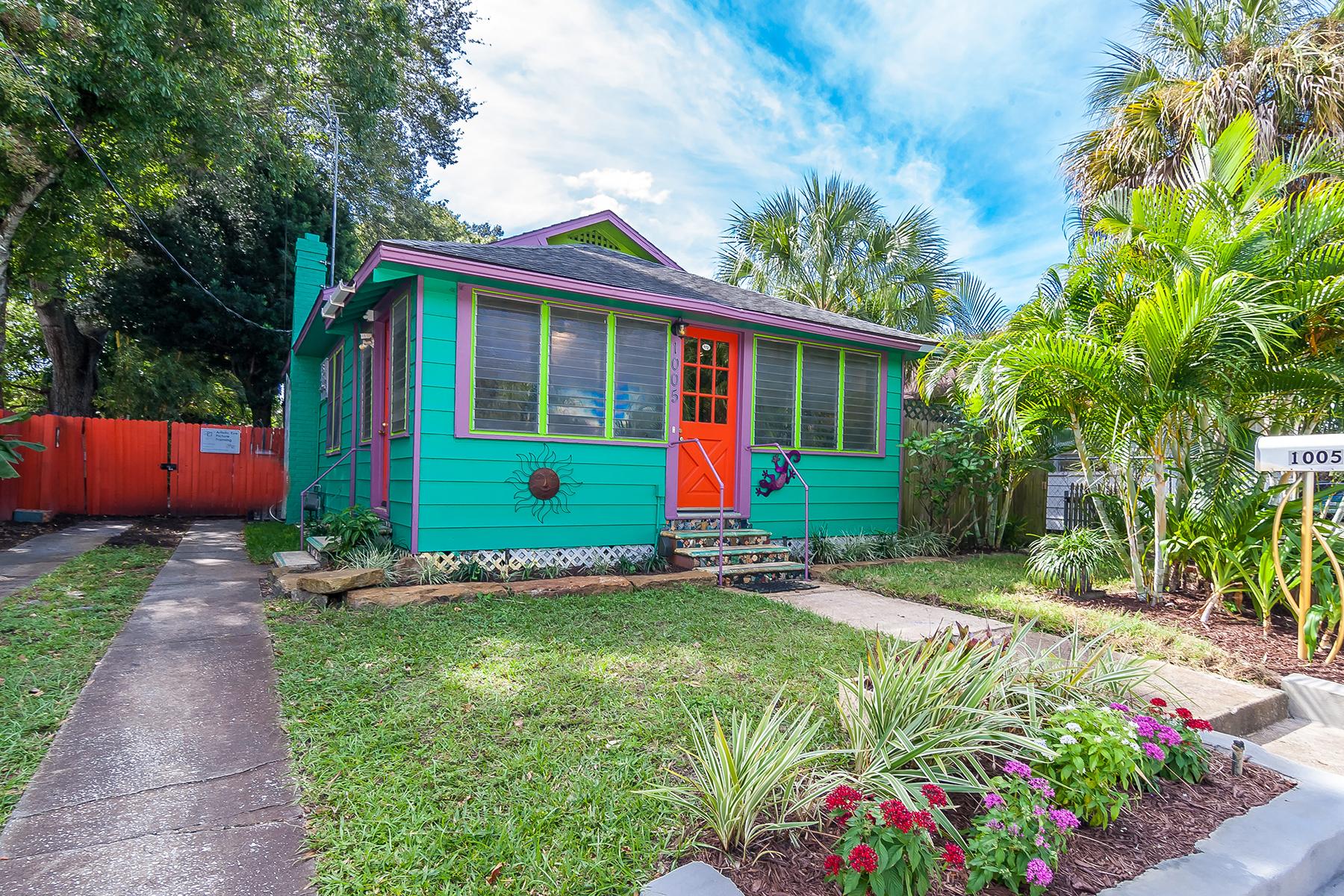 Casa Unifamiliar por un Venta en BRADENTON 1005 12th Ave W Bradenton, Florida, 34205 Estados Unidos