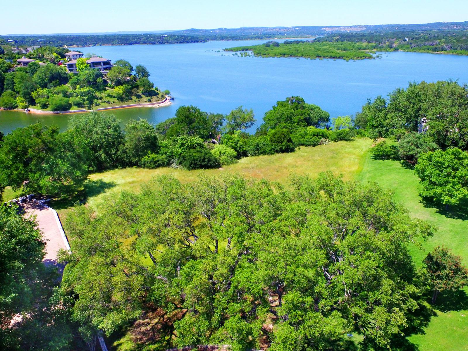 Terreno por un Venta en Lake Travis Waterfront 2512 Sailpoint Dr Spicewood, Texas 78669 Estados Unidos