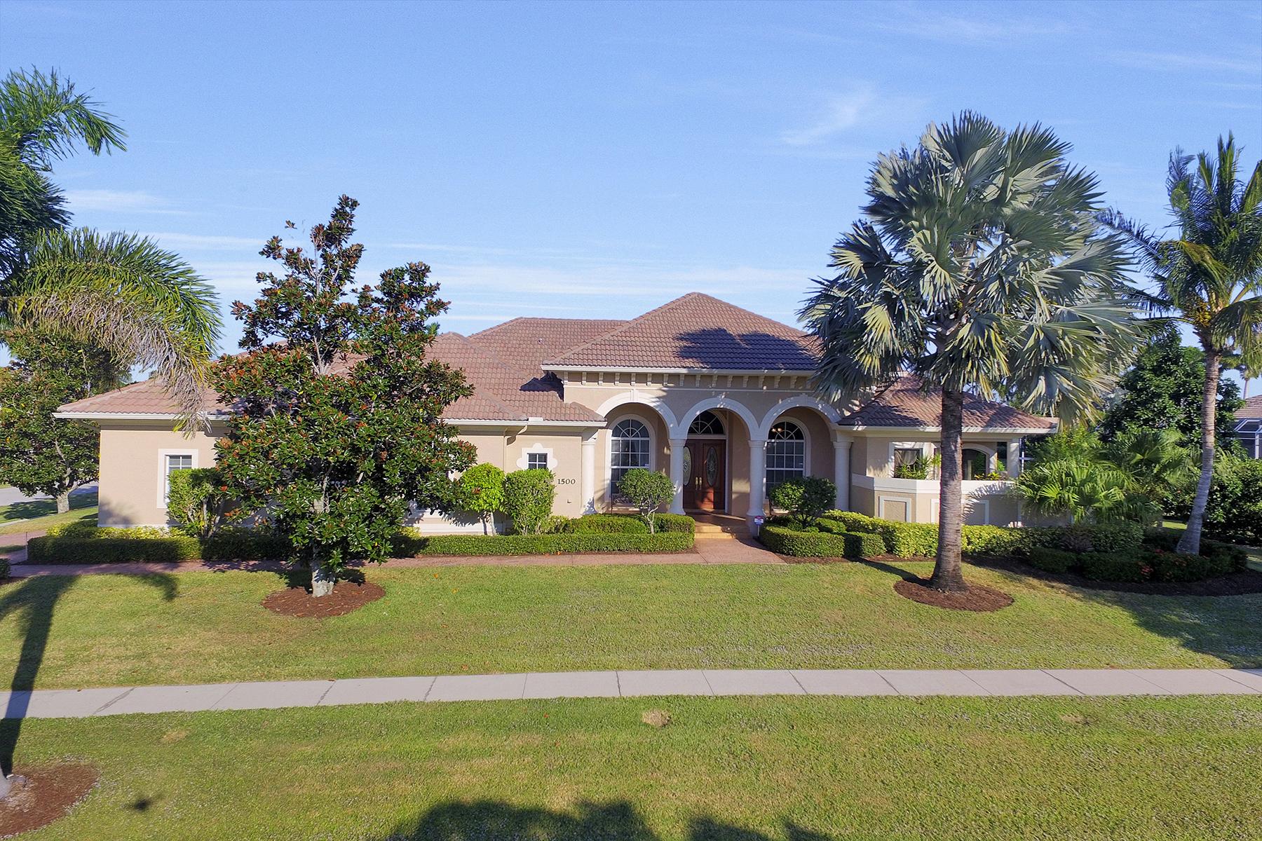Nhà ở một gia đình vì Bán tại MARCO ISLAND - WINTERBERRY DRIVE 1500 Winterberry Dr Marco Island, Florida, 34145 Hoa Kỳ