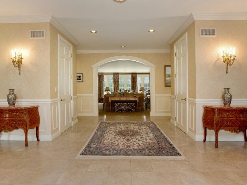 Casa para uma família para Venda às Colonial 1 Maria Ln Old Brookville, Nova York 11545 Estados Unidos