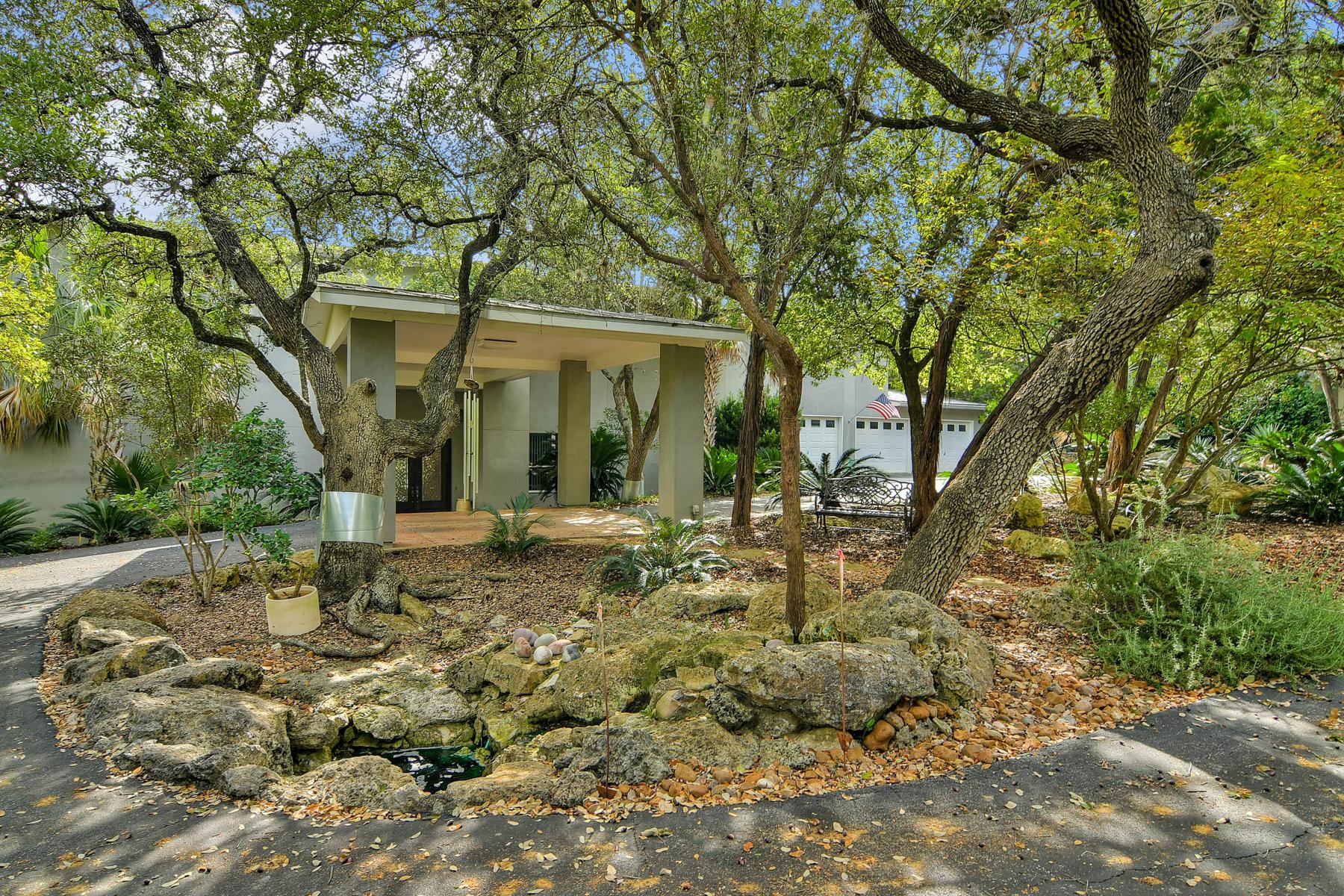Maison unifamiliale pour l Vente à Contemporary Style in Woodland Hills North 27906 Copper Crest San Antonio, Texas, 78260 États-Unis