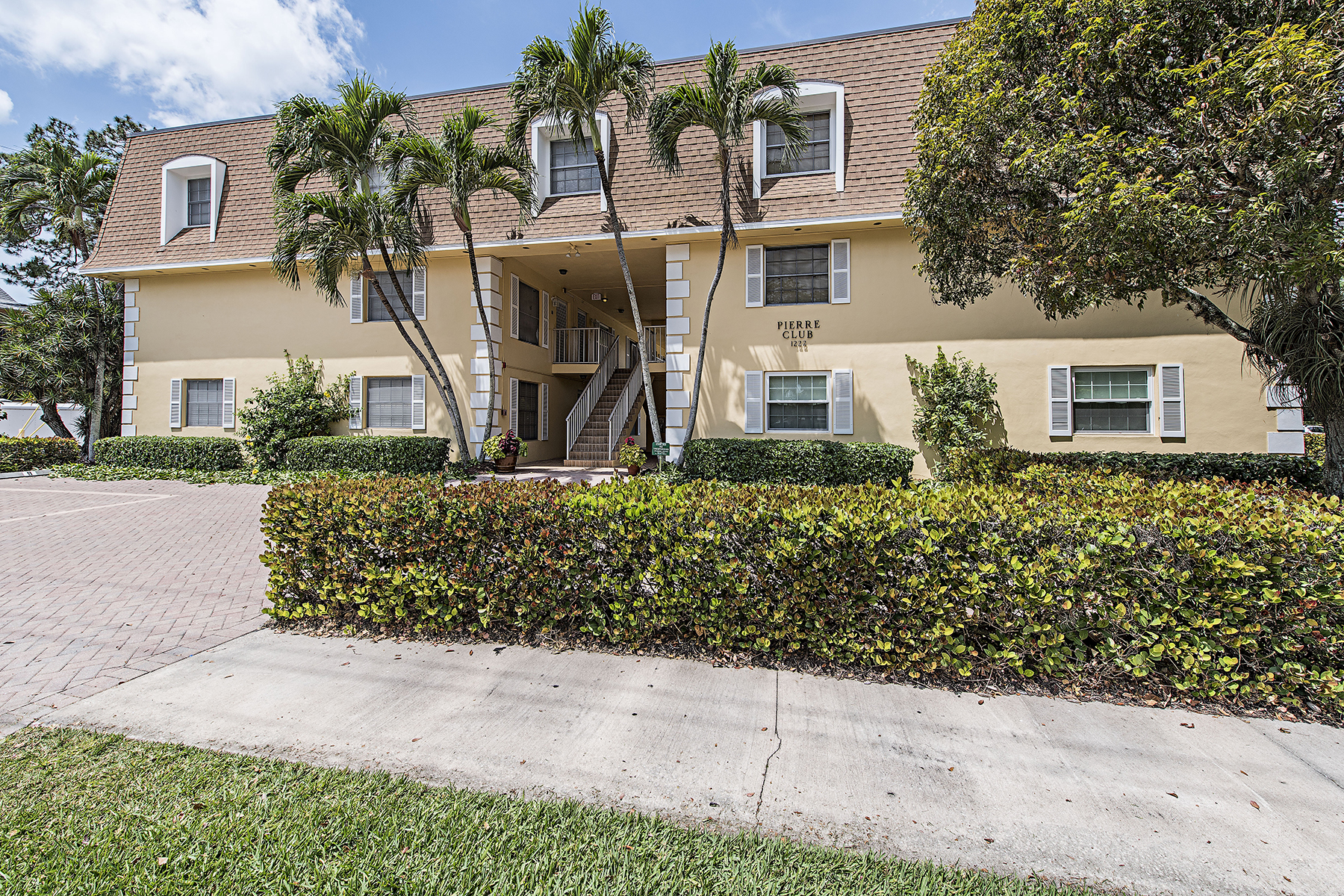 sales property at OLDE NAPLES - PIERRE CLUB