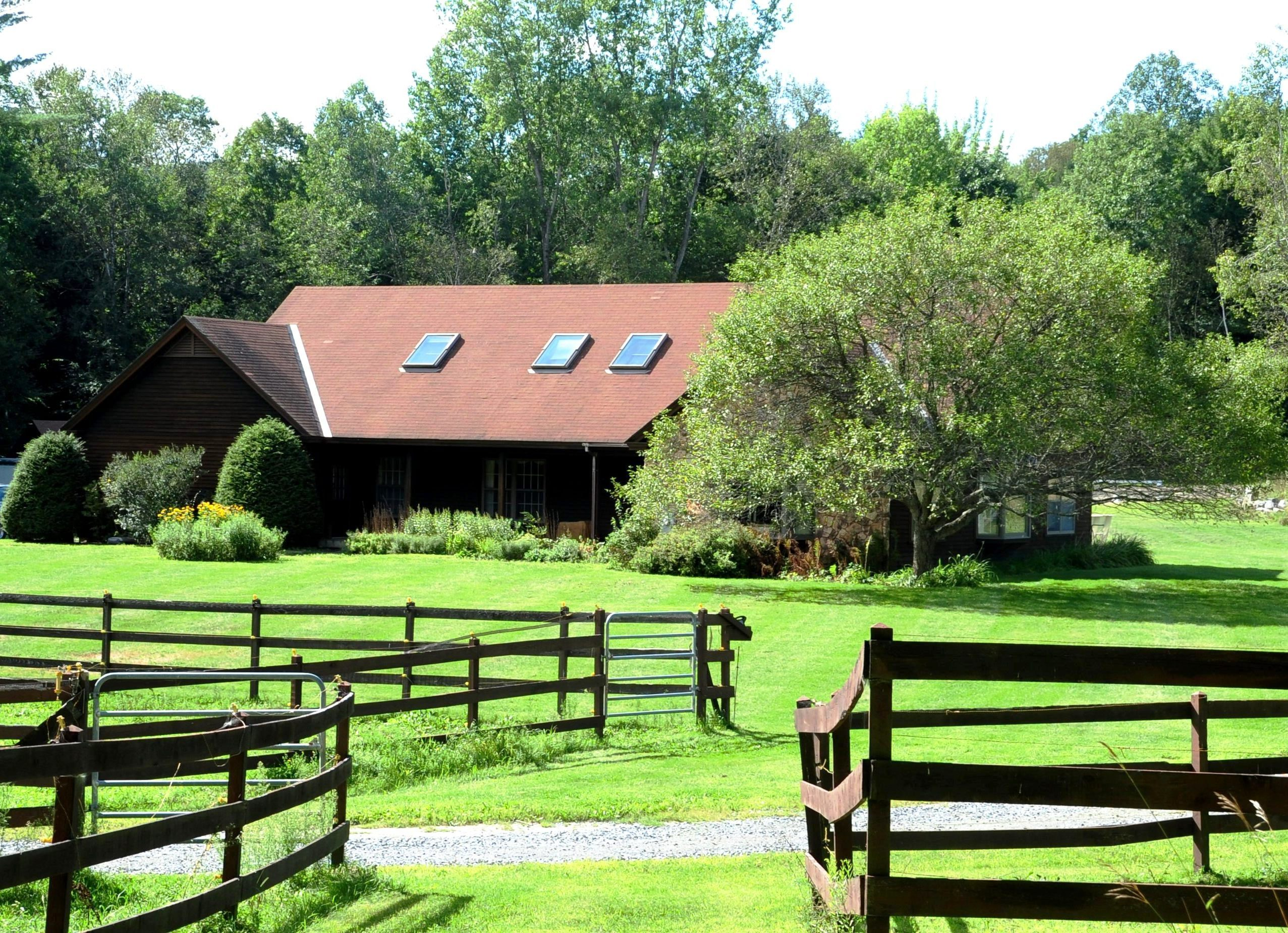 단독 가정 주택 용 매매 에 Mountain Top 584 Mountain Road Fairlee, 베르몬트 05045 미국