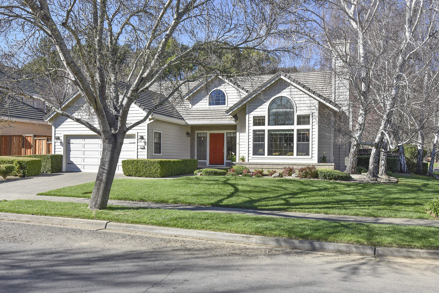 sales property at 4049 Foxridge Way, Napa, CA 94558