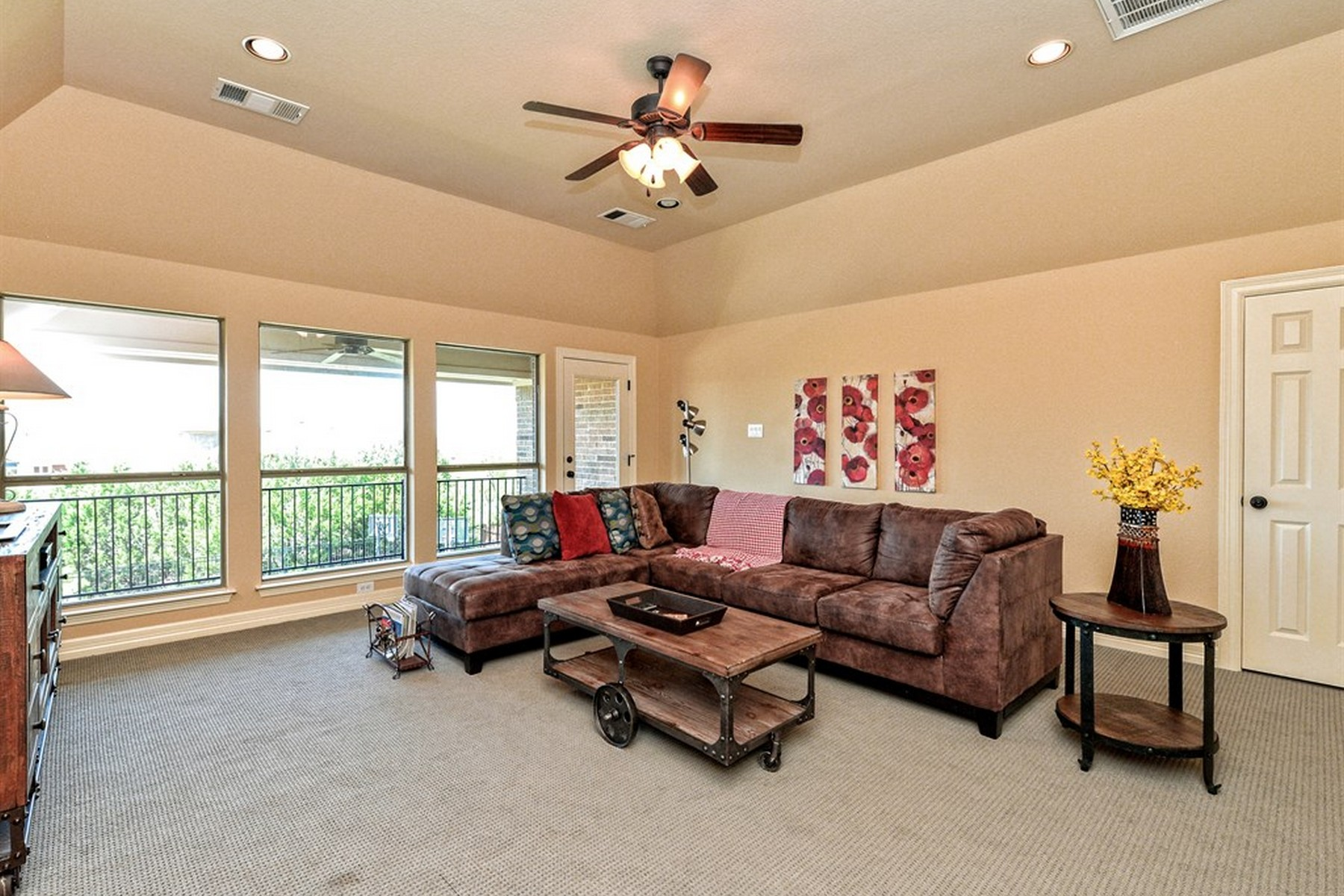Additional photo for property listing at Lakewood Hills 12808 Arbor Lake Cv Austin, Texas 78732 Estados Unidos