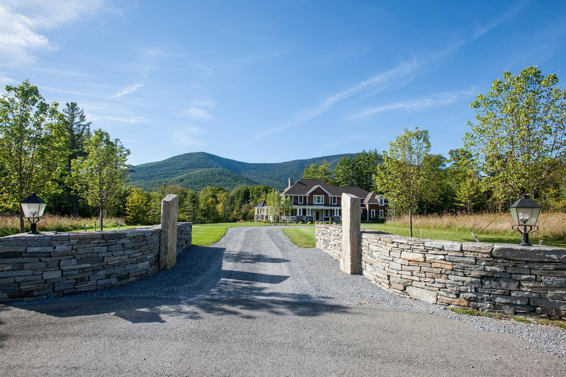 Villa per Vendita alle ore Manchester Residence 240 Starry Dr Manchester, Vermont 05255 Stati Uniti