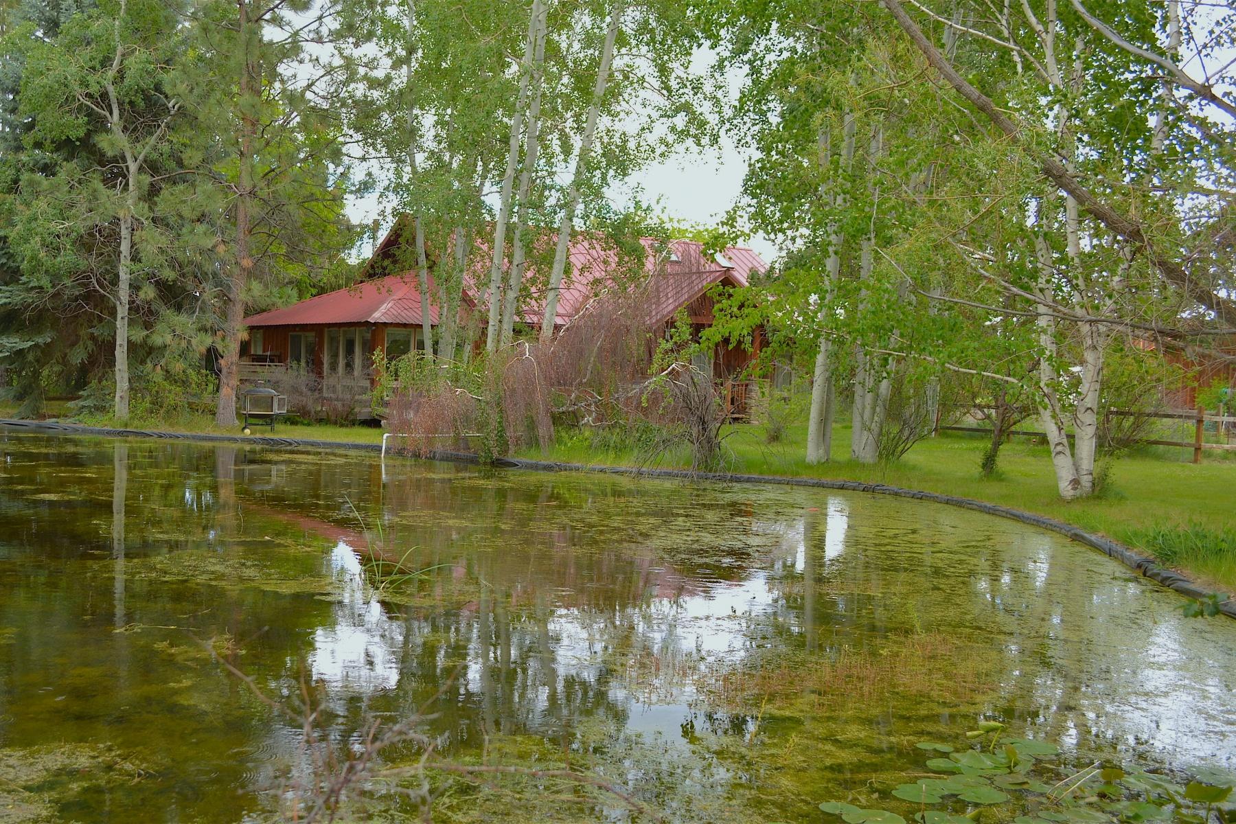 独户住宅 为 销售 在 20 Acre Hay Ranch- Parklike Setting 25360 Walker Rd 本德, 俄勒冈州, 97701 美国