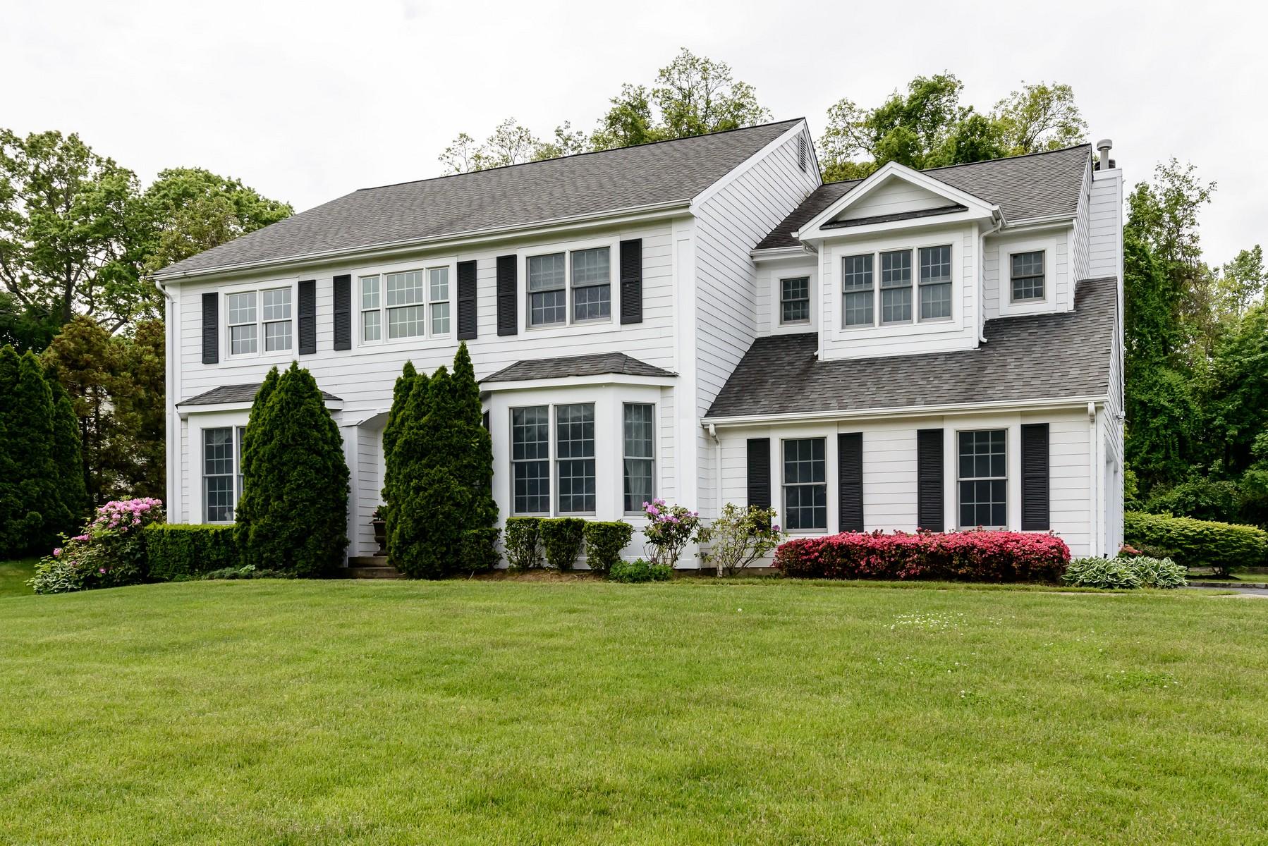 Nhà ở một gia đình vì Bán tại Colonial Locust Valley, New York, 11560 Hoa Kỳ