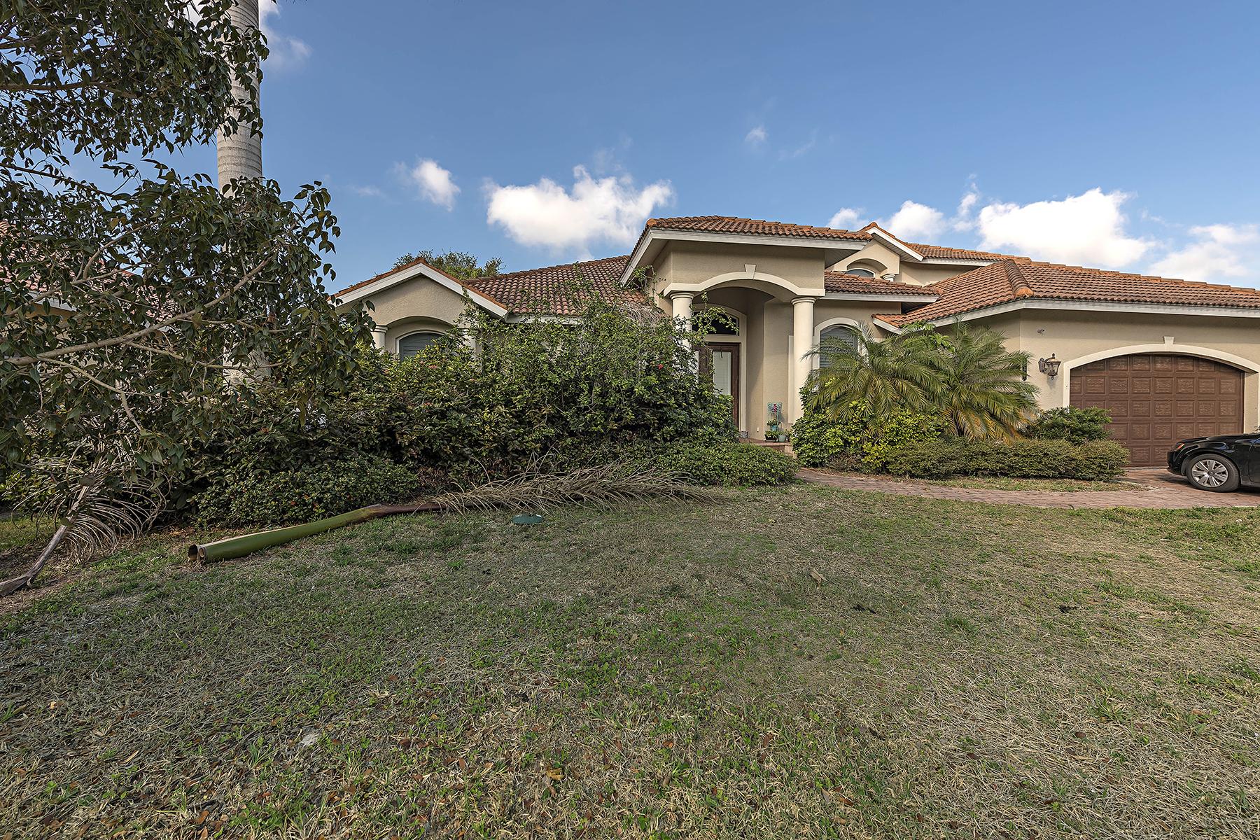 獨棟家庭住宅 為 出售 在 MARCO ISLAND - KIRKWOOD STREET 114 Kirkwood St Marco Island, 佛羅里達州 34145 美國