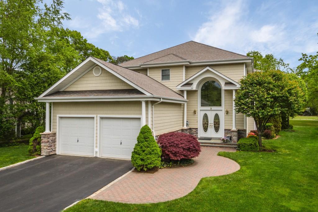 Tek Ailelik Ev için Satış at Colonial 3 Redan Dr Smithtown, New York 11787 Amerika Birleşik Devletleri