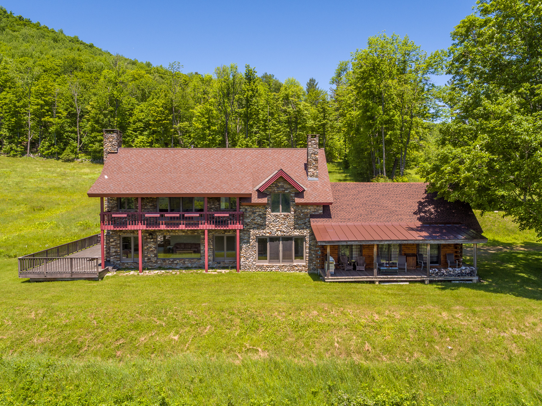 Casa Unifamiliar por un Venta en 245 Acres with Panoramic Views 231 Christmas Tree Farm Rd Chester, Vermont, 05143 Estados Unidos