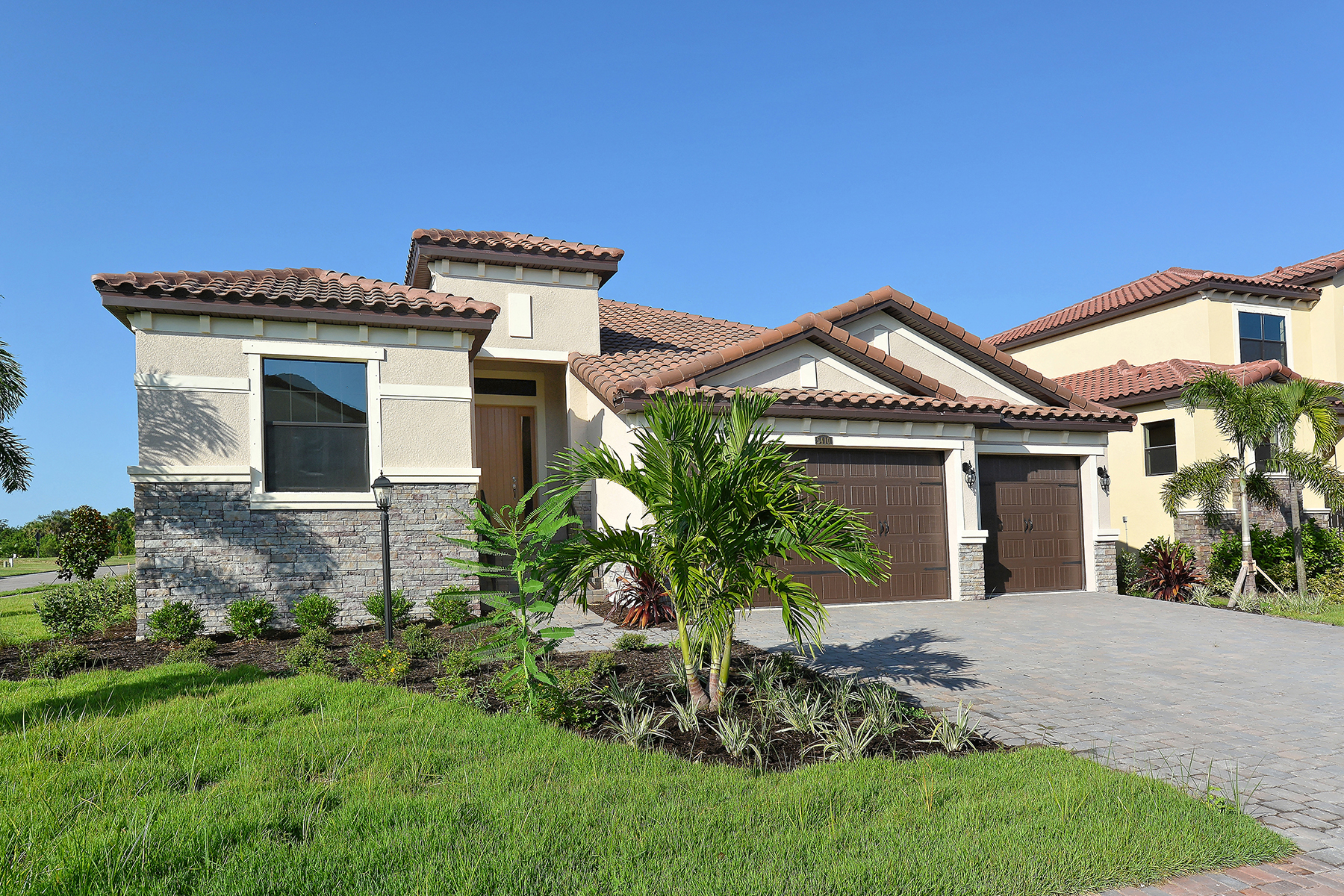 Single Family Home for Sale at LEGENDS BAY 5410 Title Row Dr Bradenton, Florida, 34210 United States