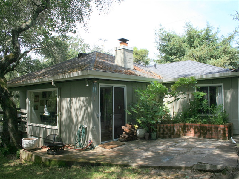Single Family Home for Sale at 115 Pine Pl, St. Helena, CA 94574 115 Pine Pl St. Helena, California 94574 United States