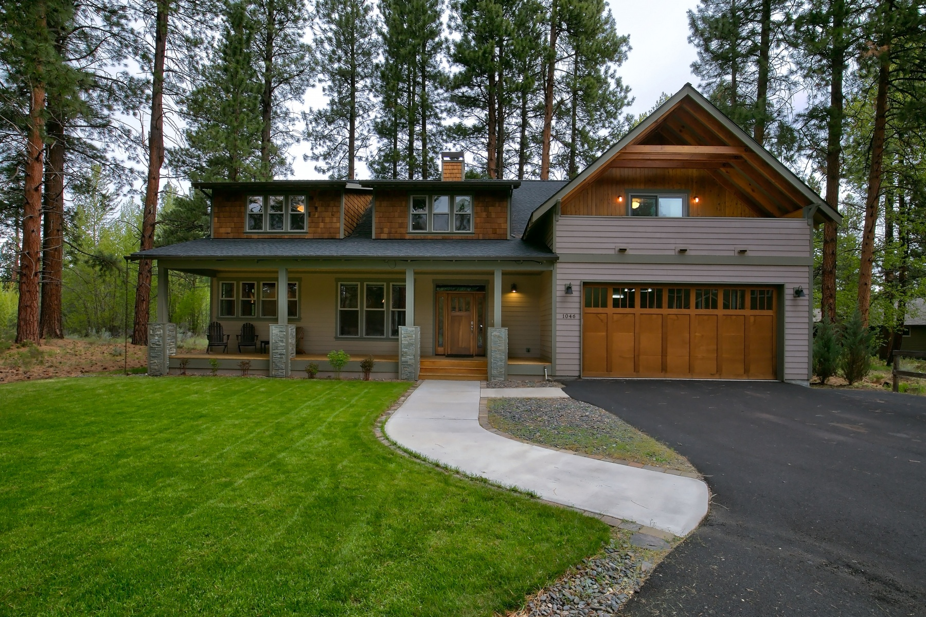 sales property at 1046 E Creekside Court, SISTERS