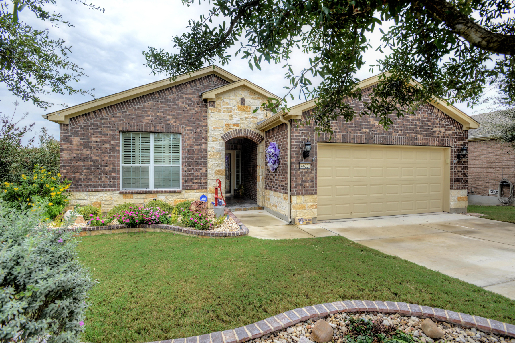 Single Family Home for Sale at Magnificent One-Story in Hill Country Retreat 4622 Fort Boggy San Antonio, Texas 78253 United States