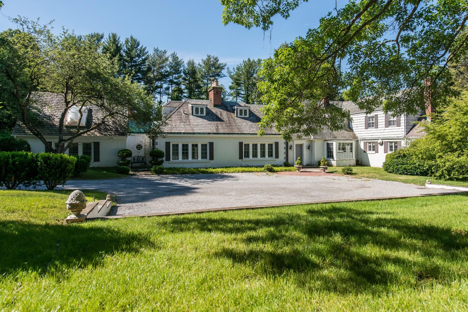 Casa para uma família para Venda às Colonial 73 Linden Ln Upper Brookville, Nova York 11545 Estados Unidos