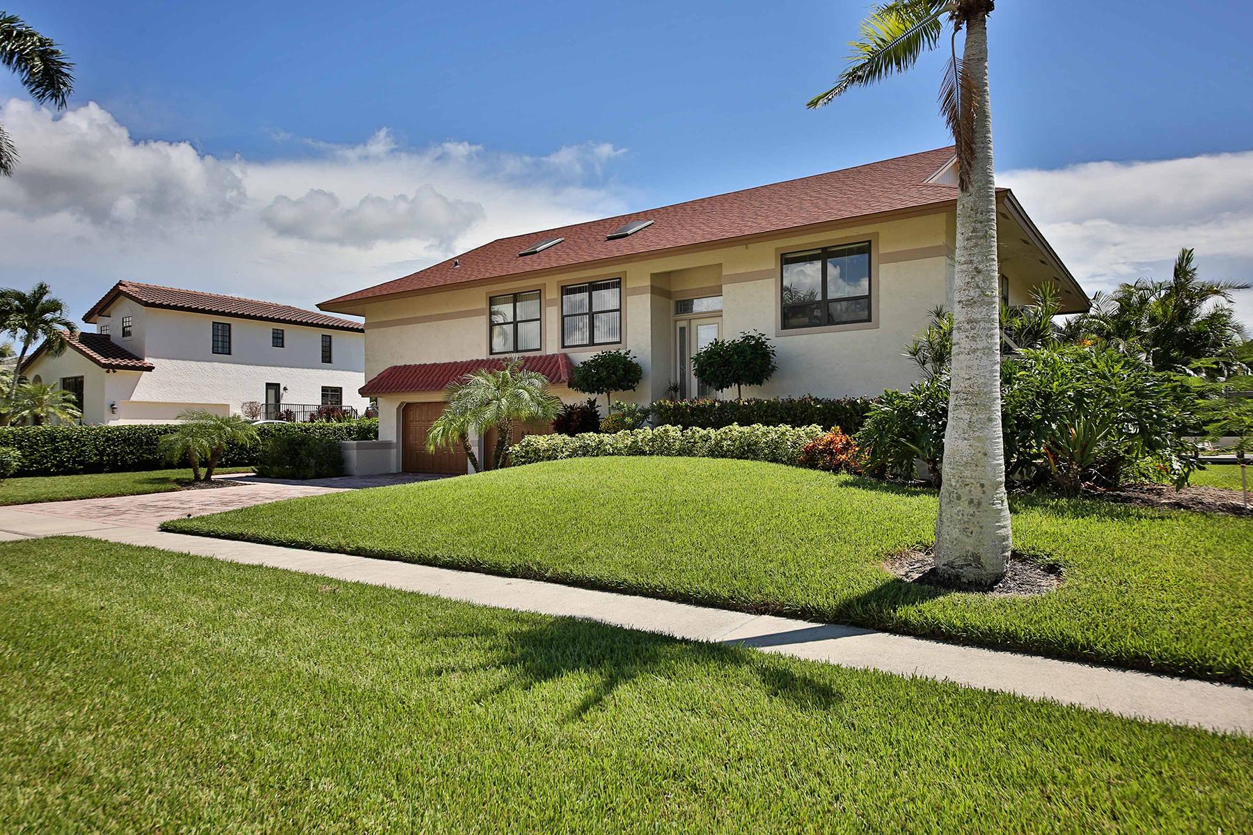 Nhà ở một gia đình vì Bán tại MARCO BEACH 1210 Osprey Ct Marco Island, Florida, 34145 Hoa Kỳ