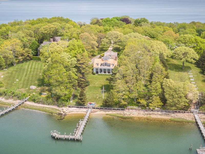 Tek Ailelik Ev için Satış at Estate 66 Ram Island Dr Shelter Island, New York, 11964 Amerika Birleşik Devletleri